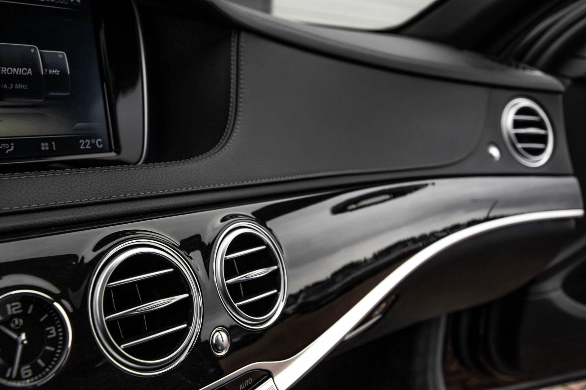 Mercedes-Benz S-Klasse 500 4-M AMG Panorama/Standkachel/Massage/Entertainment/TV Aut7 Foto 46