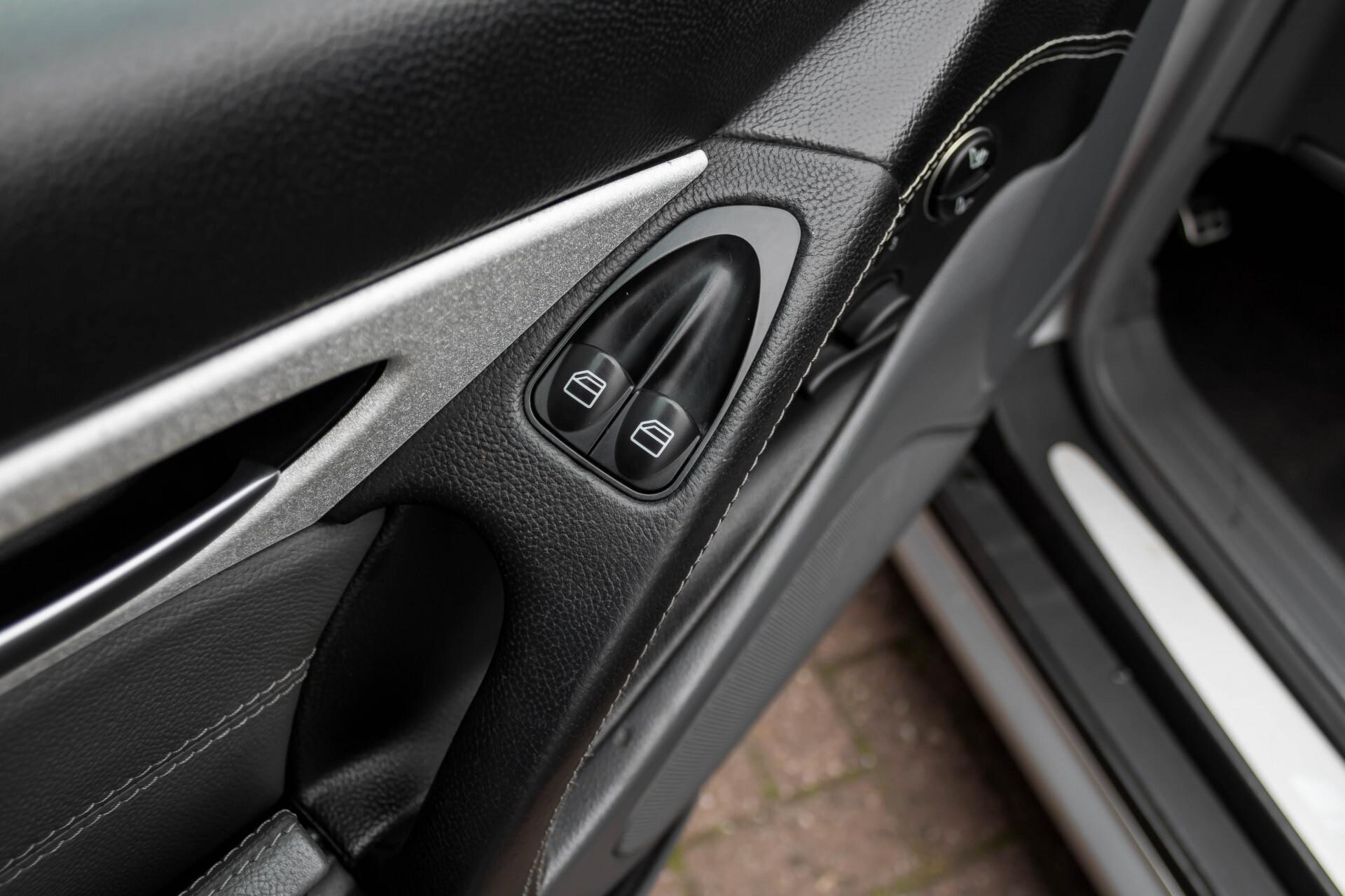 Mercedes-Benz SL-Klasse 55 AMG Aut5 in Nieuwstaat YOUNGTIMER Foto 38