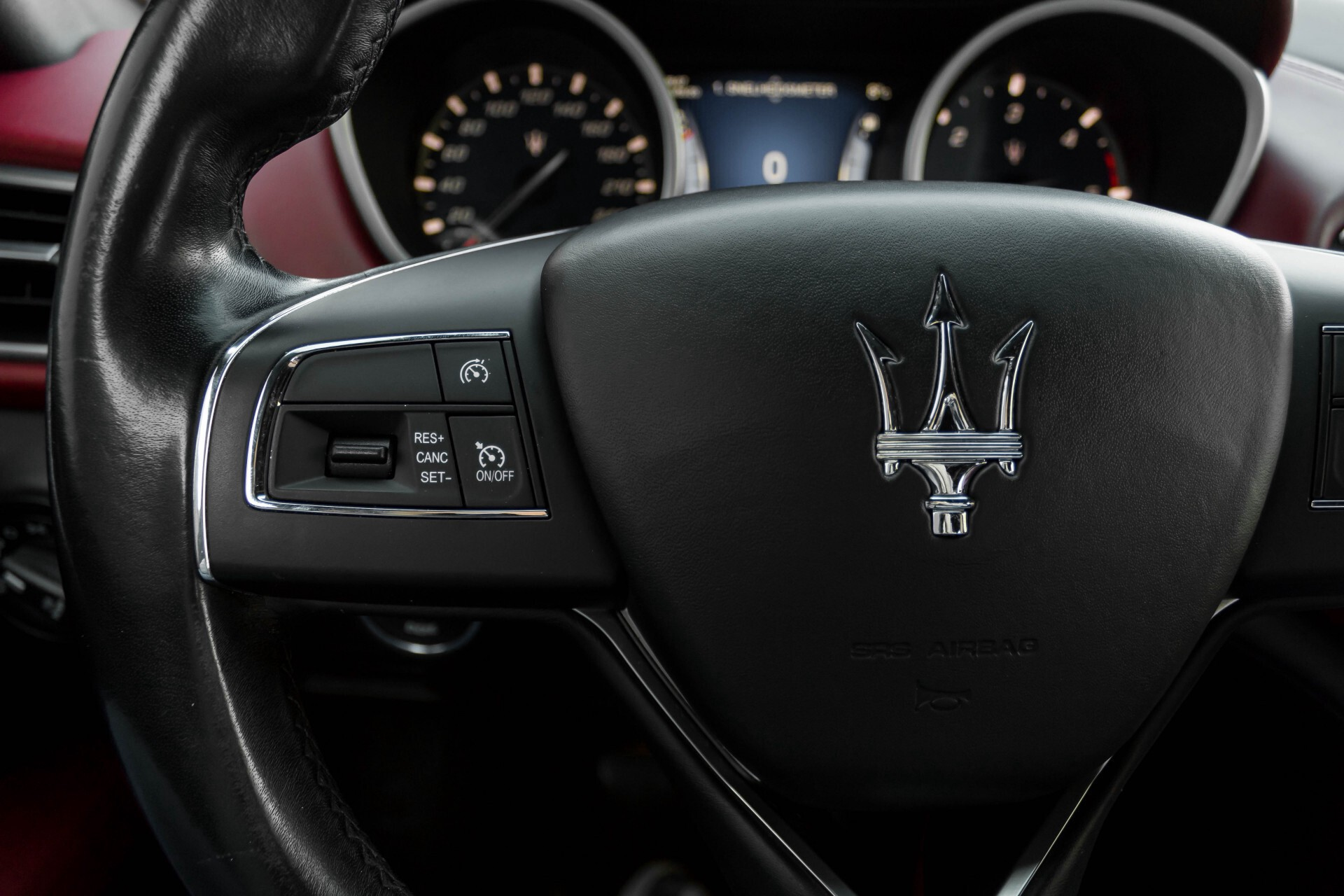 Maserati Ghibli 3.0d V6 Carbon/20''/Camera/PremiumPack/Keyless/Xenon/Navi Aut8 Foto 10
