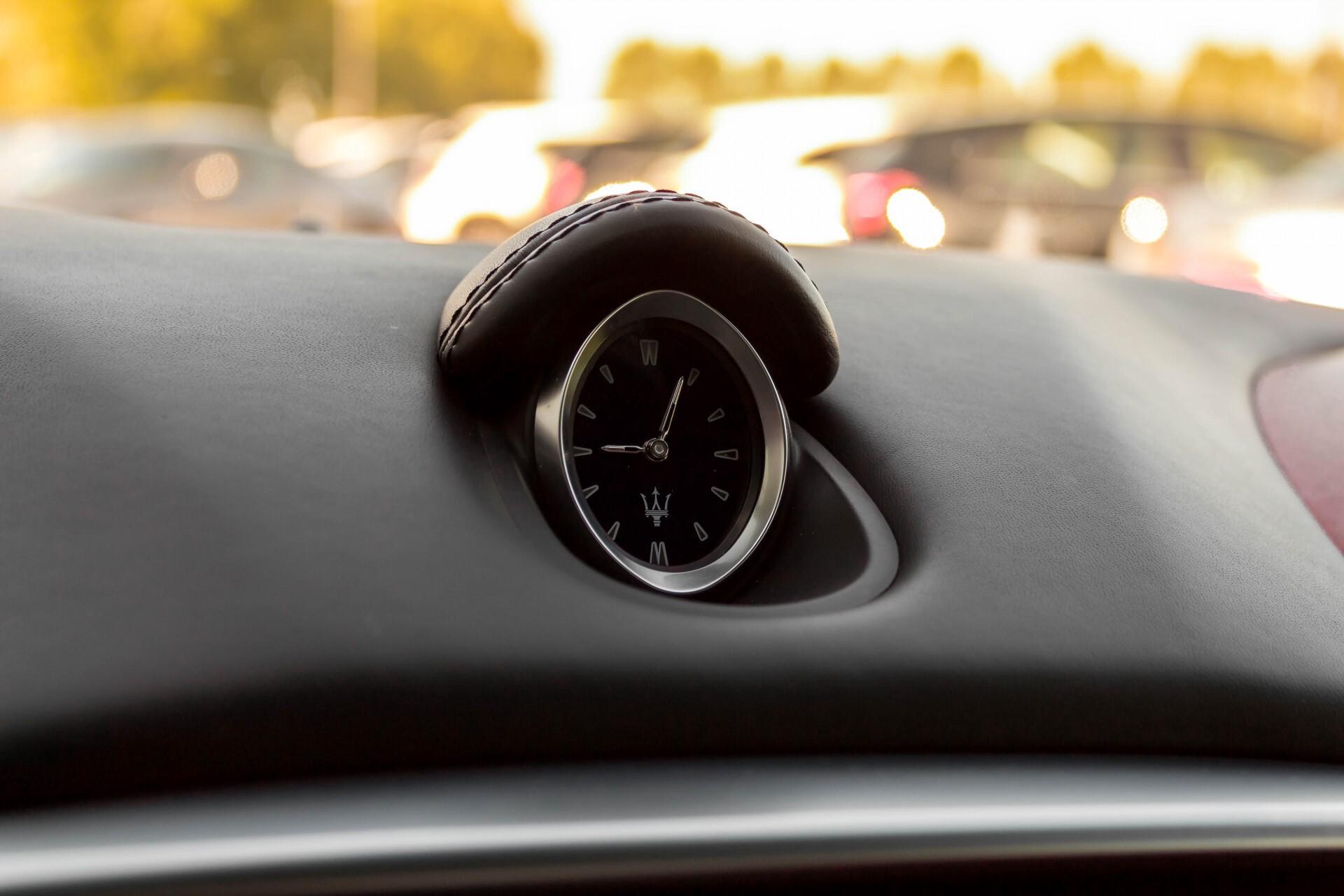 Maserati Ghibli 3.0d V6 Carbon/20''/Camera/PremiumPack/Keyless/Xenon/Navi Aut8 Foto 14