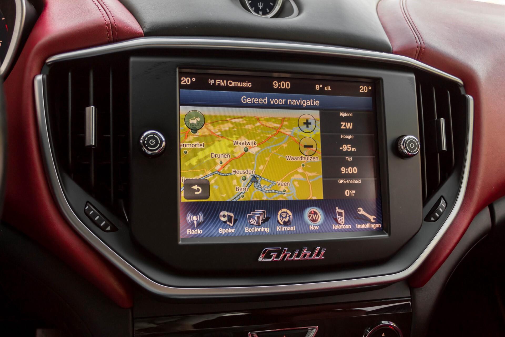 Maserati Ghibli 3.0d V6 Carbon/20''/Camera/PremiumPack/Keyless/Xenon/Navi Aut8 Foto 15
