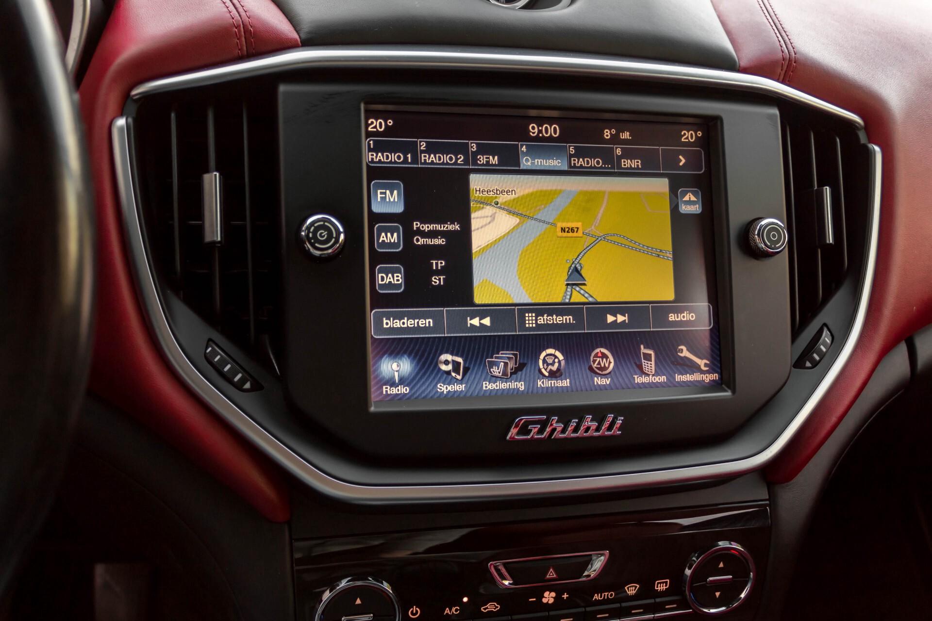Maserati Ghibli 3.0d V6 Carbon/20''/Camera/PremiumPack/Keyless/Xenon/Navi Aut8 Foto 17