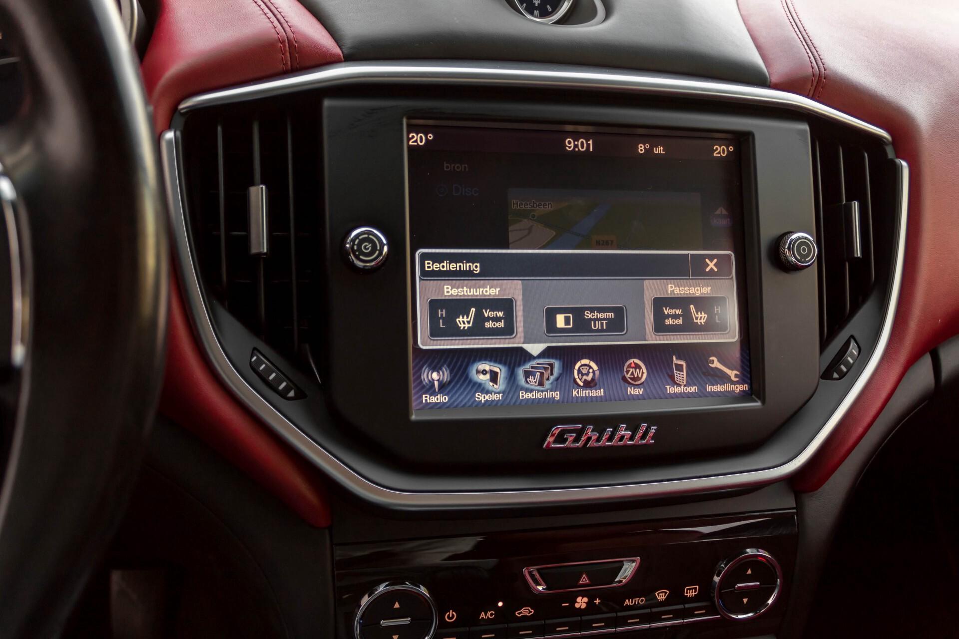 Maserati Ghibli 3.0d V6 Carbon/20''/Camera/PremiumPack/Keyless/Xenon/Navi Aut8 Foto 21