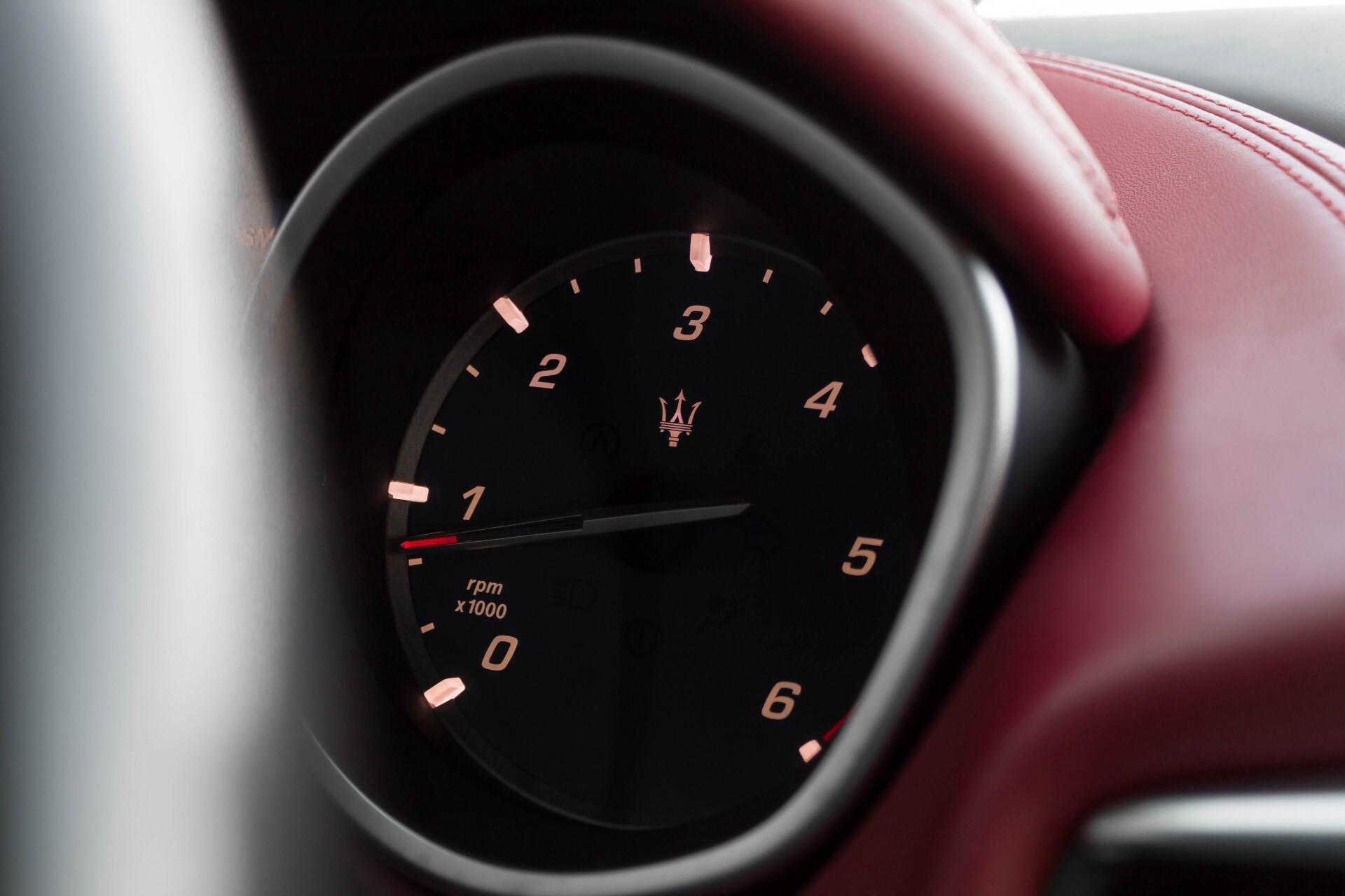 Maserati Ghibli 3.0d V6 Carbon/20''/Camera/PremiumPack/Keyless/Xenon/Navi Aut8 Foto 26