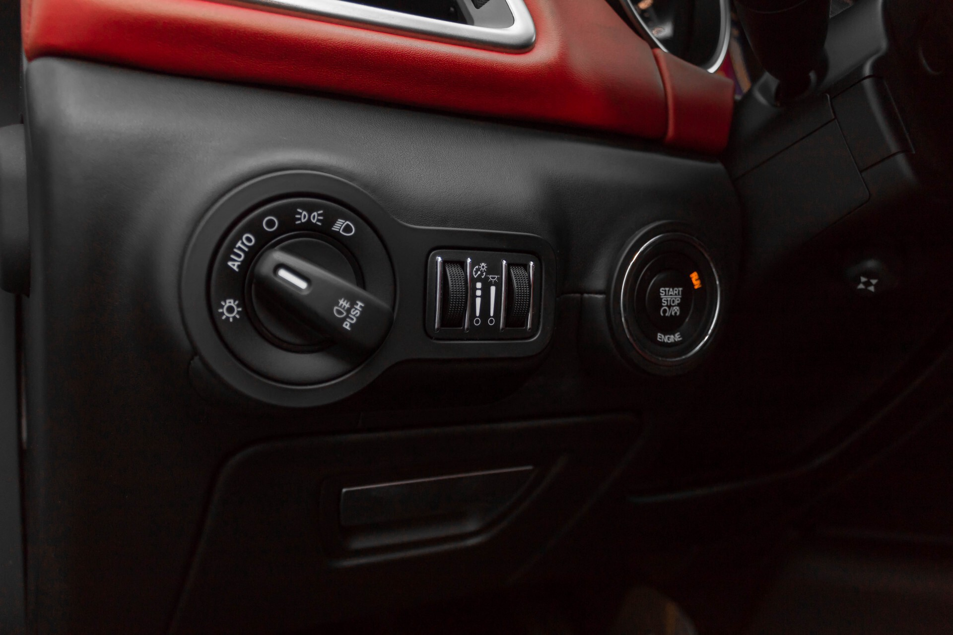 Maserati Ghibli 3.0d V6 Carbon/20''/Camera/PremiumPack/Keyless/Xenon/Navi Aut8 Foto 32