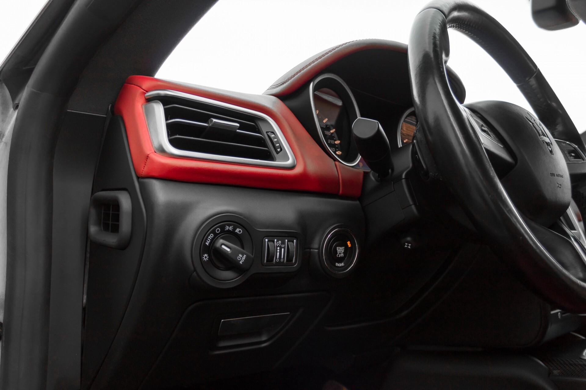 Maserati Ghibli 3.0d V6 Carbon/20''/Camera/PremiumPack/Keyless/Xenon/Navi Aut8 Foto 33