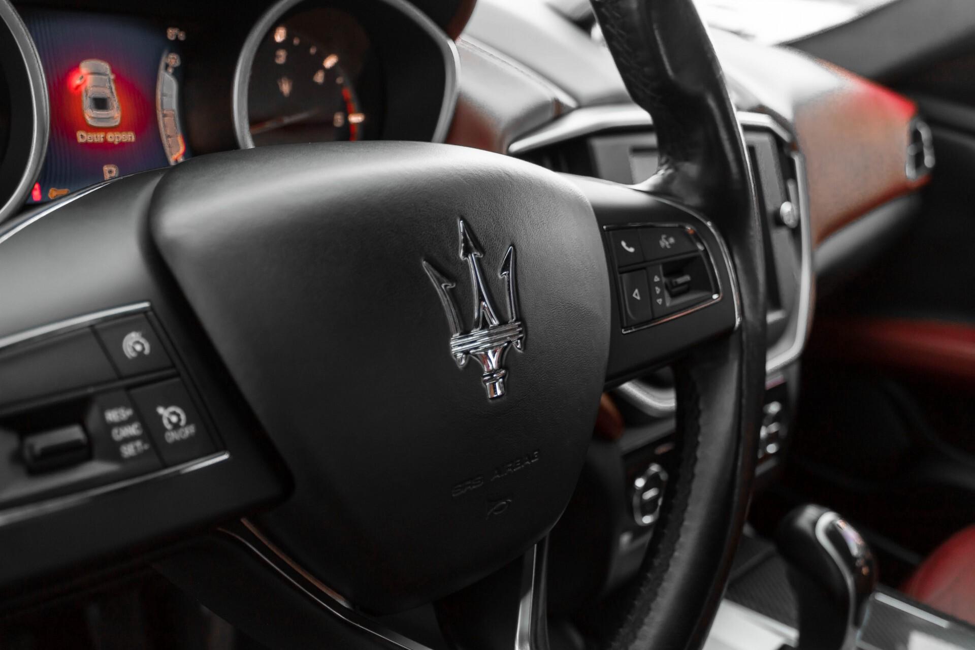 Maserati Ghibli 3.0d V6 Carbon/20''/Camera/PremiumPack/Keyless/Xenon/Navi Aut8 Foto 34