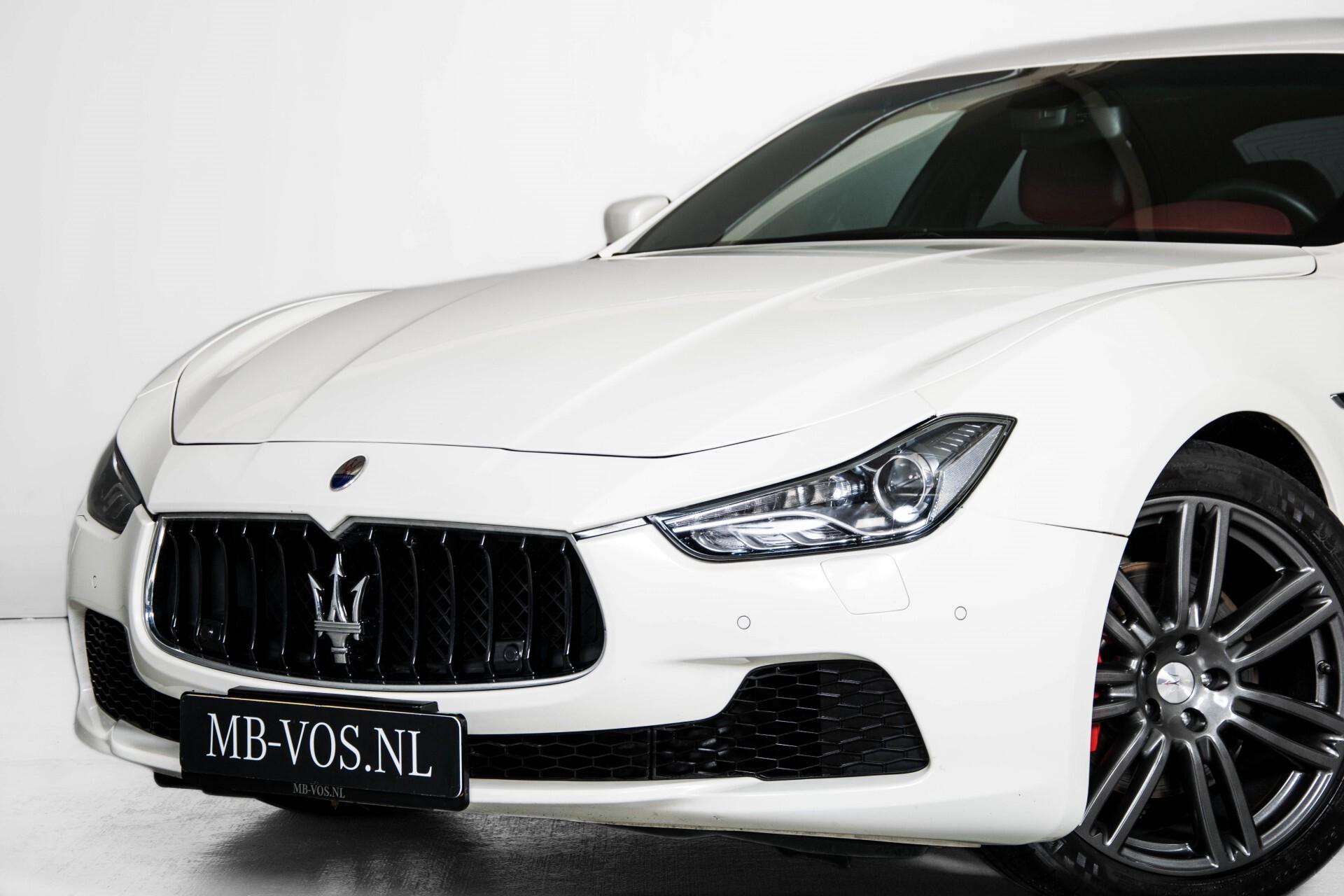 Maserati Ghibli 3.0d V6 Carbon/20''/Camera/PremiumPack/Keyless/Xenon/Navi Aut8 Foto 52