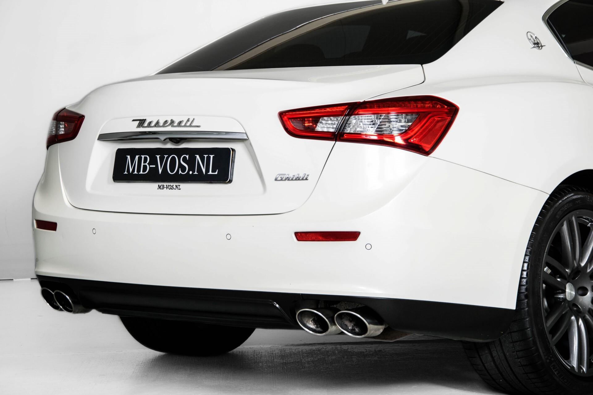 Maserati Ghibli 3.0d V6 Carbon/20''/Camera/PremiumPack/Keyless/Xenon/Navi Aut8 Foto 53