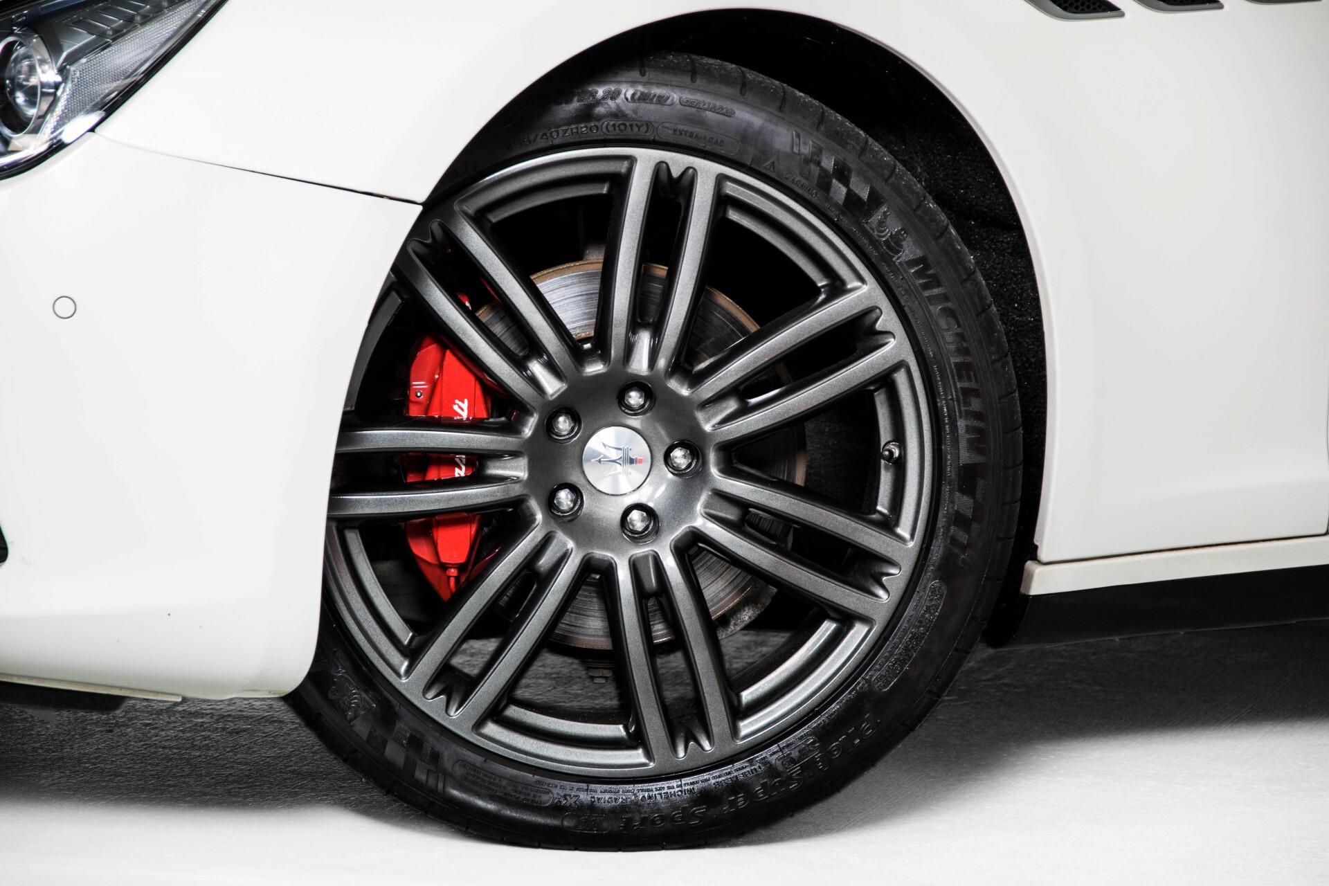 Maserati Ghibli 3.0d V6 Carbon/20''/Camera/PremiumPack/Keyless/Xenon/Navi Aut8 Foto 54