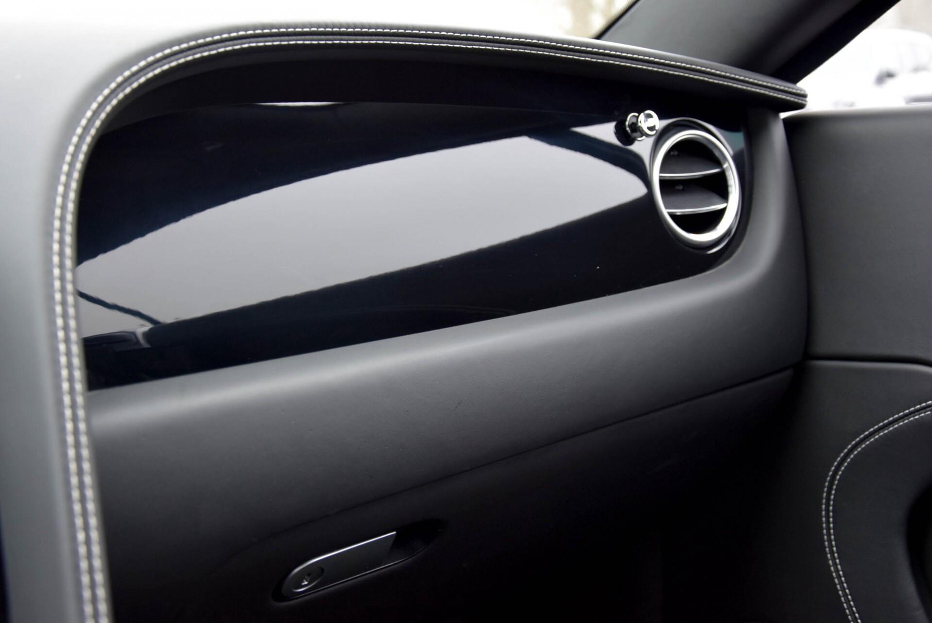 Bentley Continental GT 4.0 V8 GT Mulliner Aut8 Foto 22