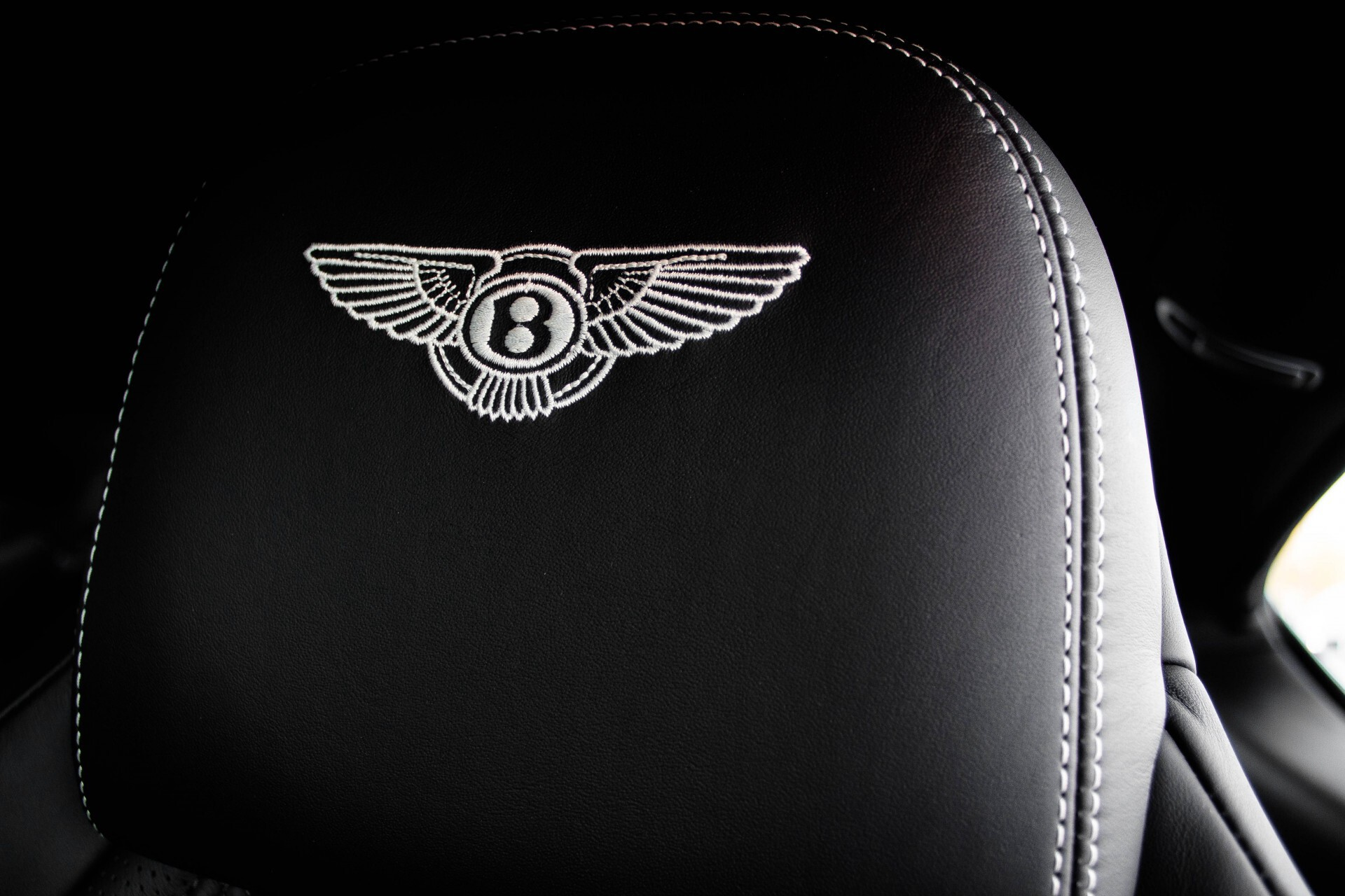 Bentley Continental GT 4.0 V8 GT Mulliner Aut8 Foto 35