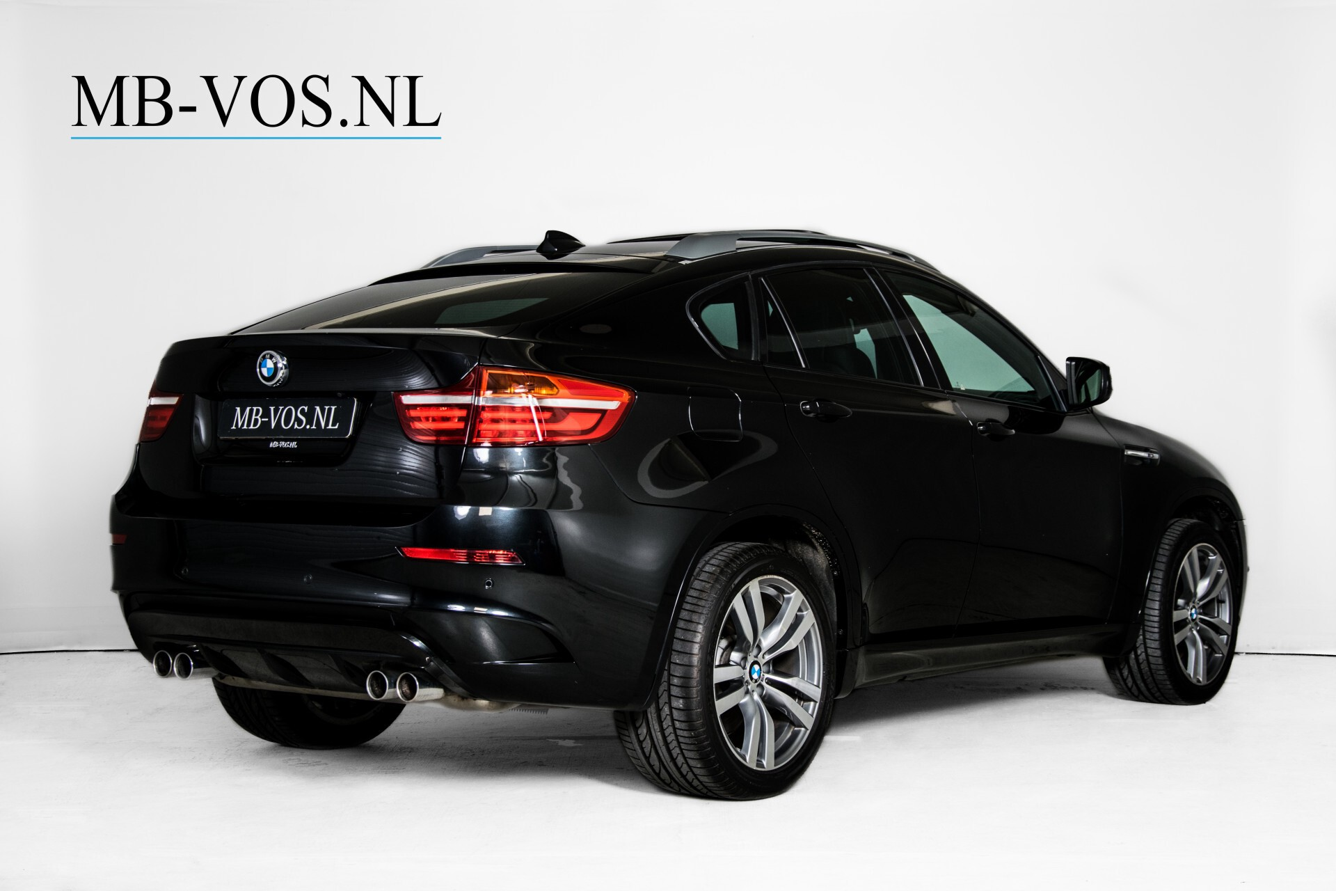 BMW X6 4.4i M Pano/Adaptive Drive/HUD/Keyless/360camera/TV/Drivers Pack/Entertainment/Shadowline Aut6 Foto 2