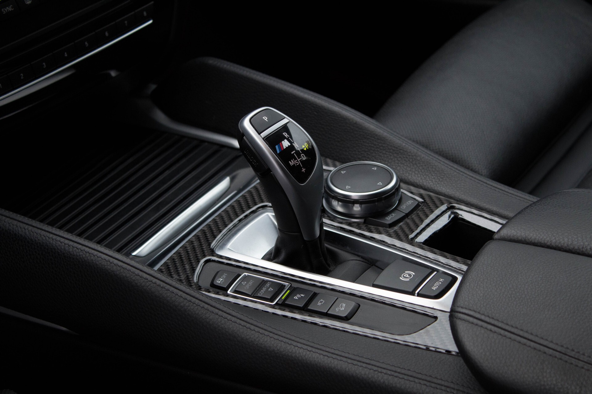 BMW X6 5.0d M Adaptive Drive/Comfortacces/Softclose/Adaptive Cruise/Standkachel/360camera/HUD/DAB Aut8 Foto 19