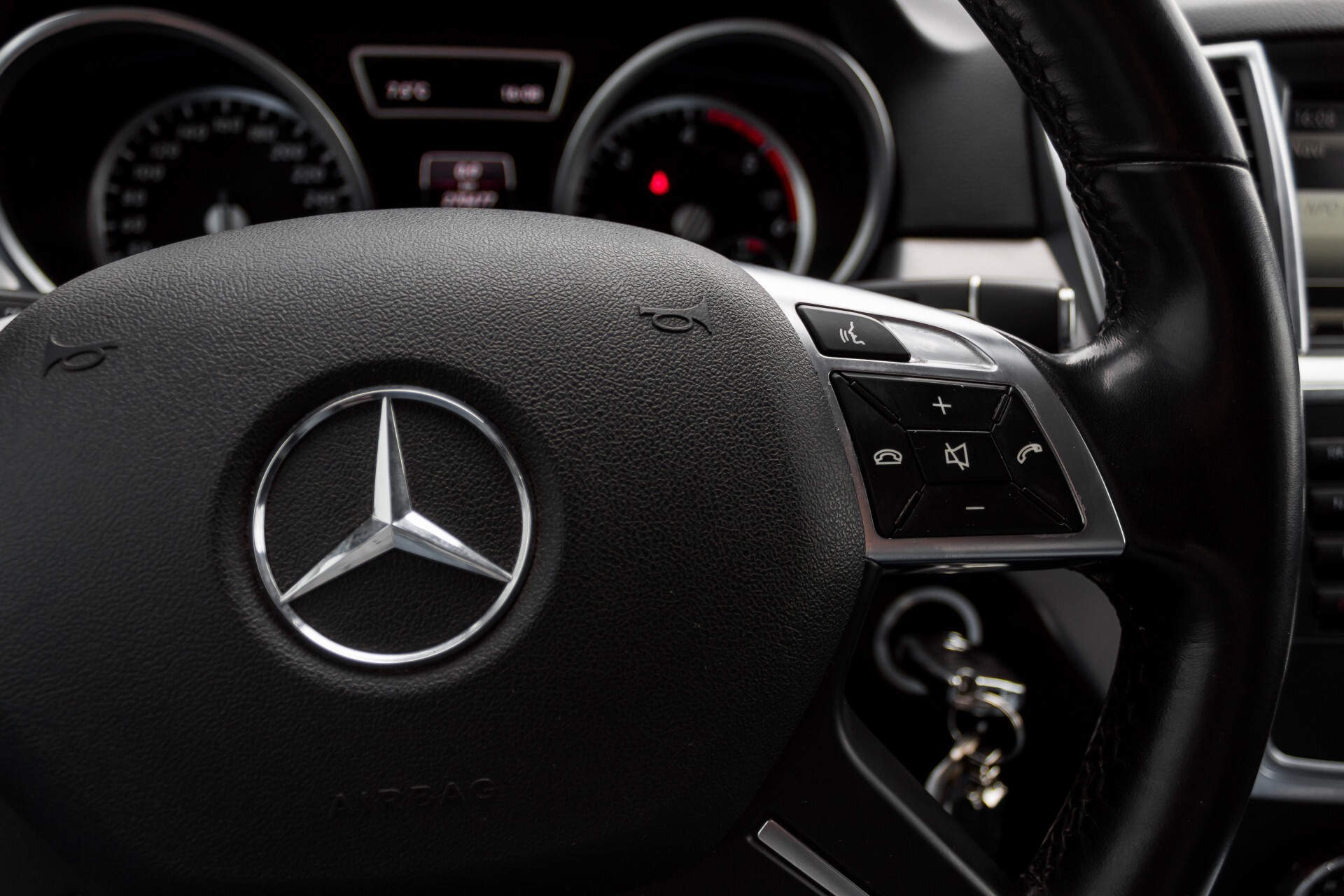 "Mercedes-Benz M-Klasse 350 Bluetec 4-M Luchtvering/Schuifdak/ILS/Wegkl-trekhaak/18"" Aut7 Foto 17"