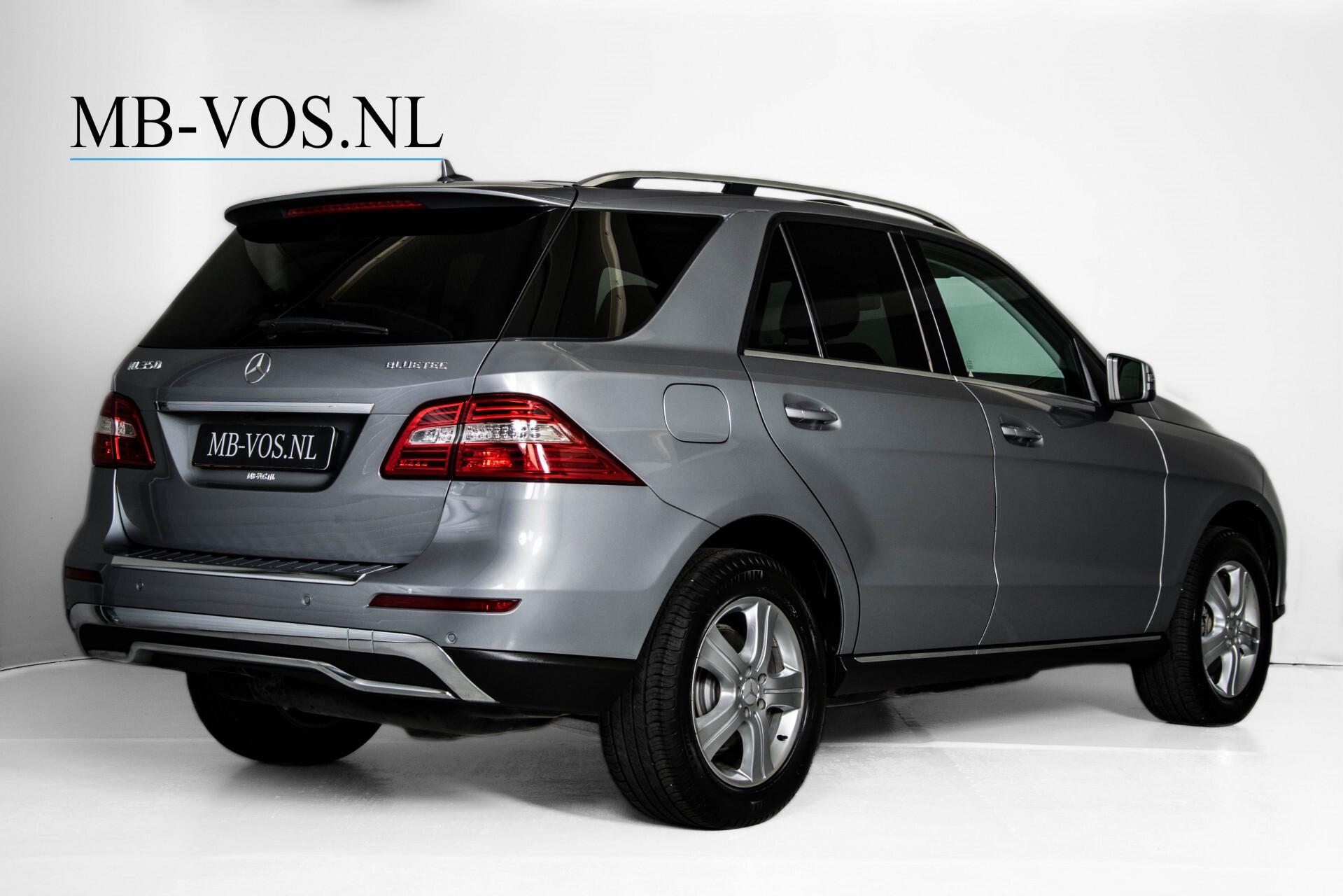 "Mercedes-Benz M-Klasse 350 Bluetec 4-M Luchtvering/Schuifdak/ILS/Wegkl-trekhaak/18"" Aut7 Foto 2"