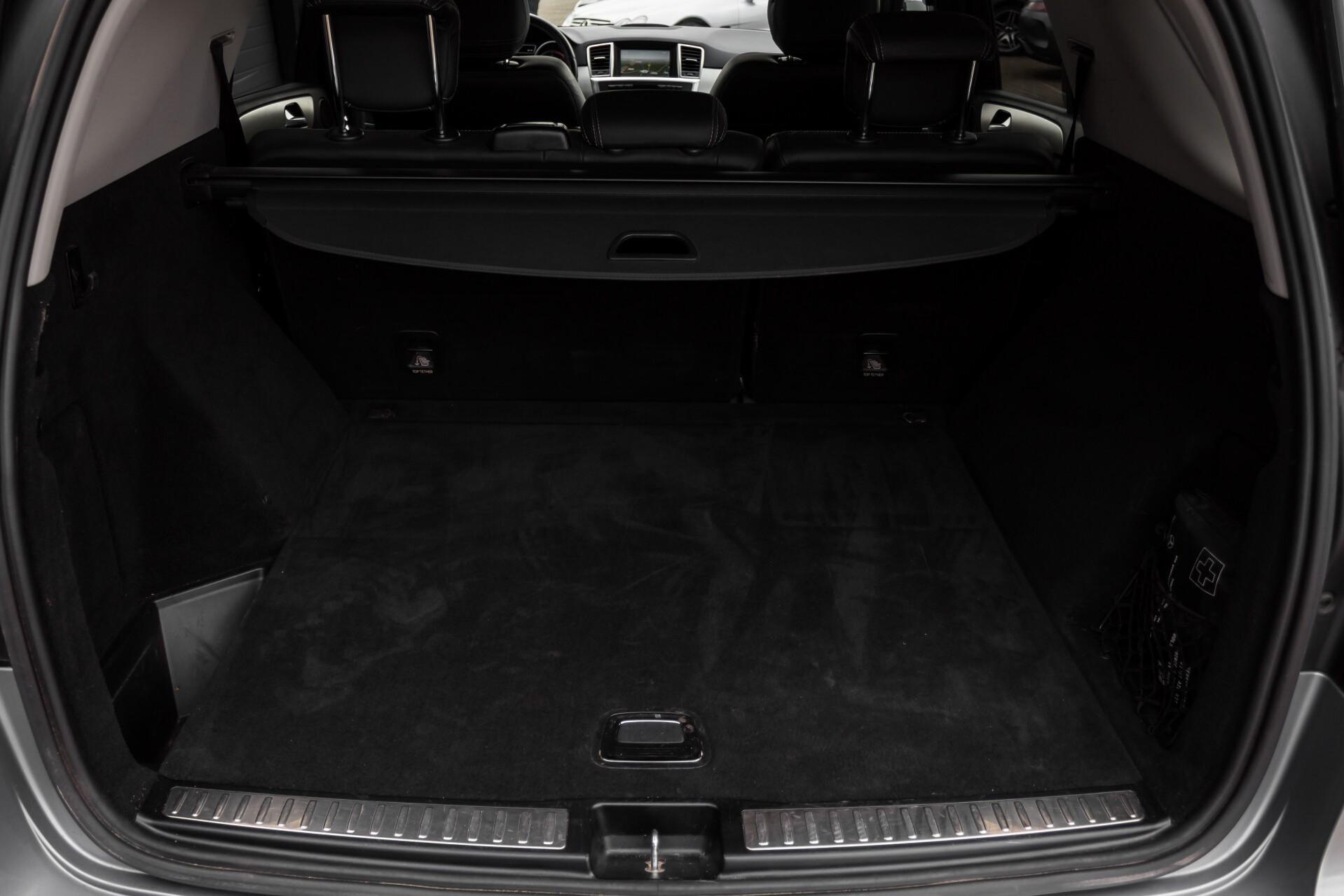 "Mercedes-Benz M-Klasse 350 Bluetec 4-M Luchtvering/Schuifdak/ILS/Wegkl-trekhaak/18"" Aut7 Foto 43"