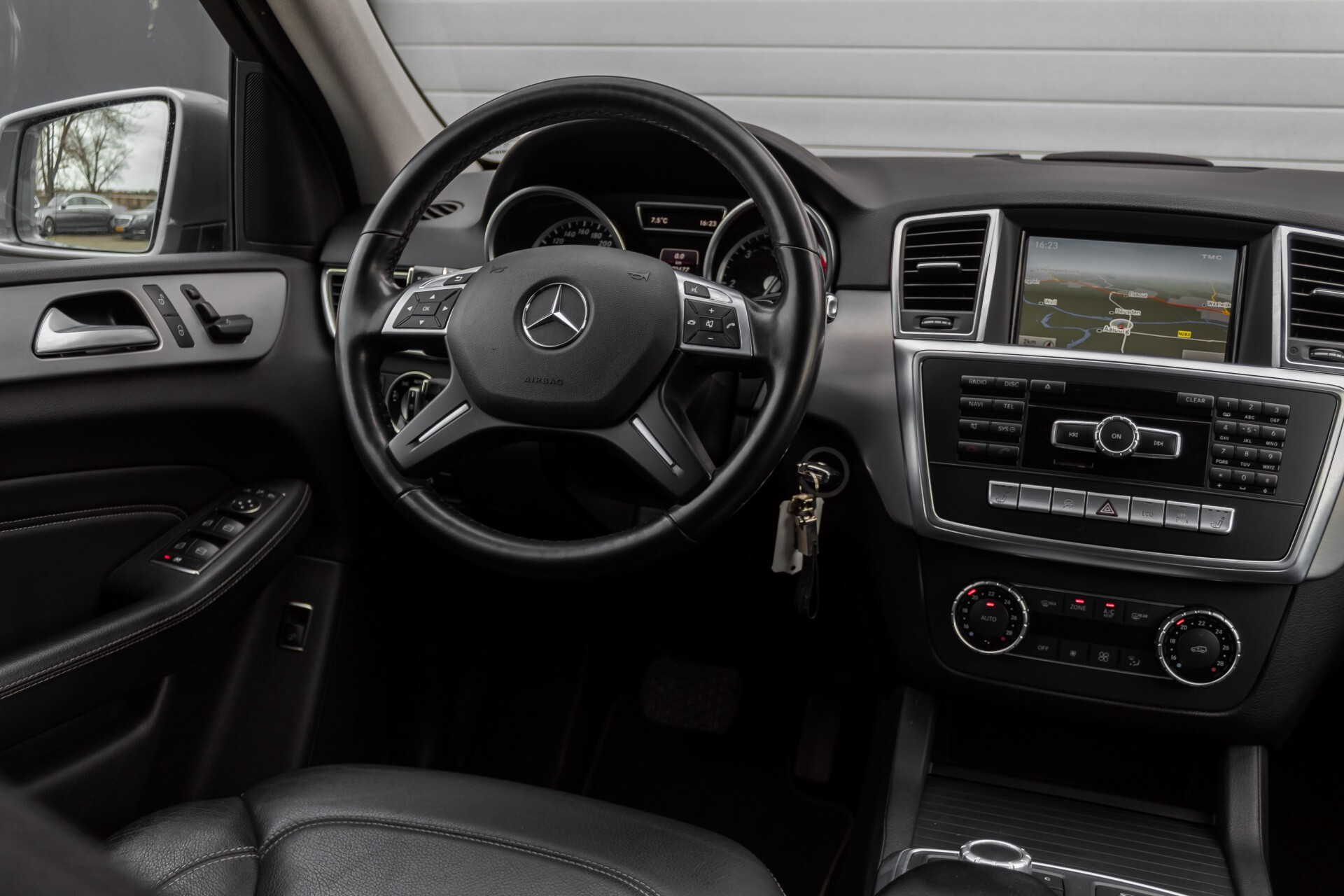 "Mercedes-Benz M-Klasse 350 Bluetec 4-M Luchtvering/Schuifdak/ILS/Wegkl-trekhaak/18"" Aut7 Foto 7"