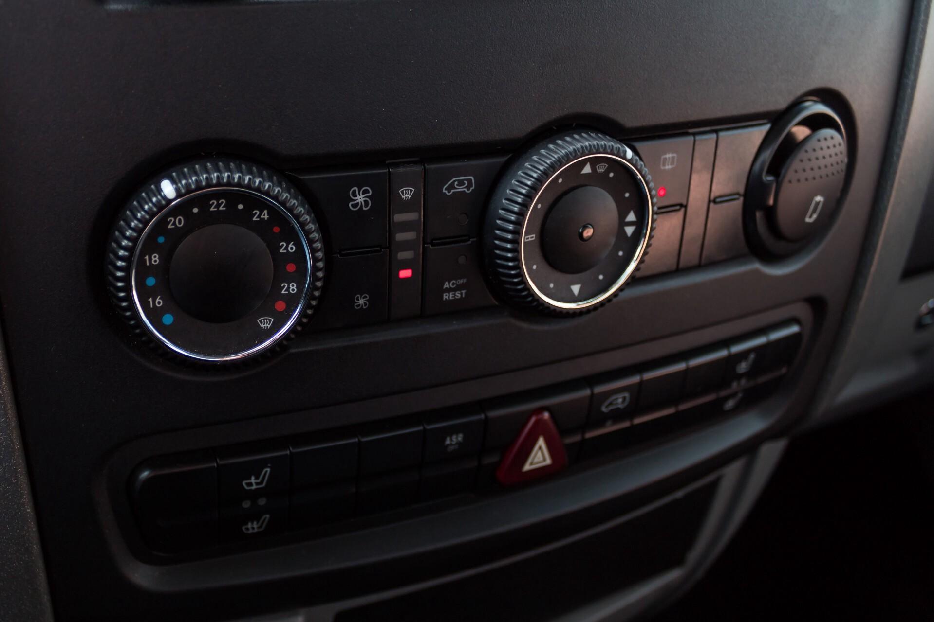 Mercedes-Benz Sprinter 518 3.0 Cdi V6 Oprijwagen / Auto ambulance 7360 kg Foto 18