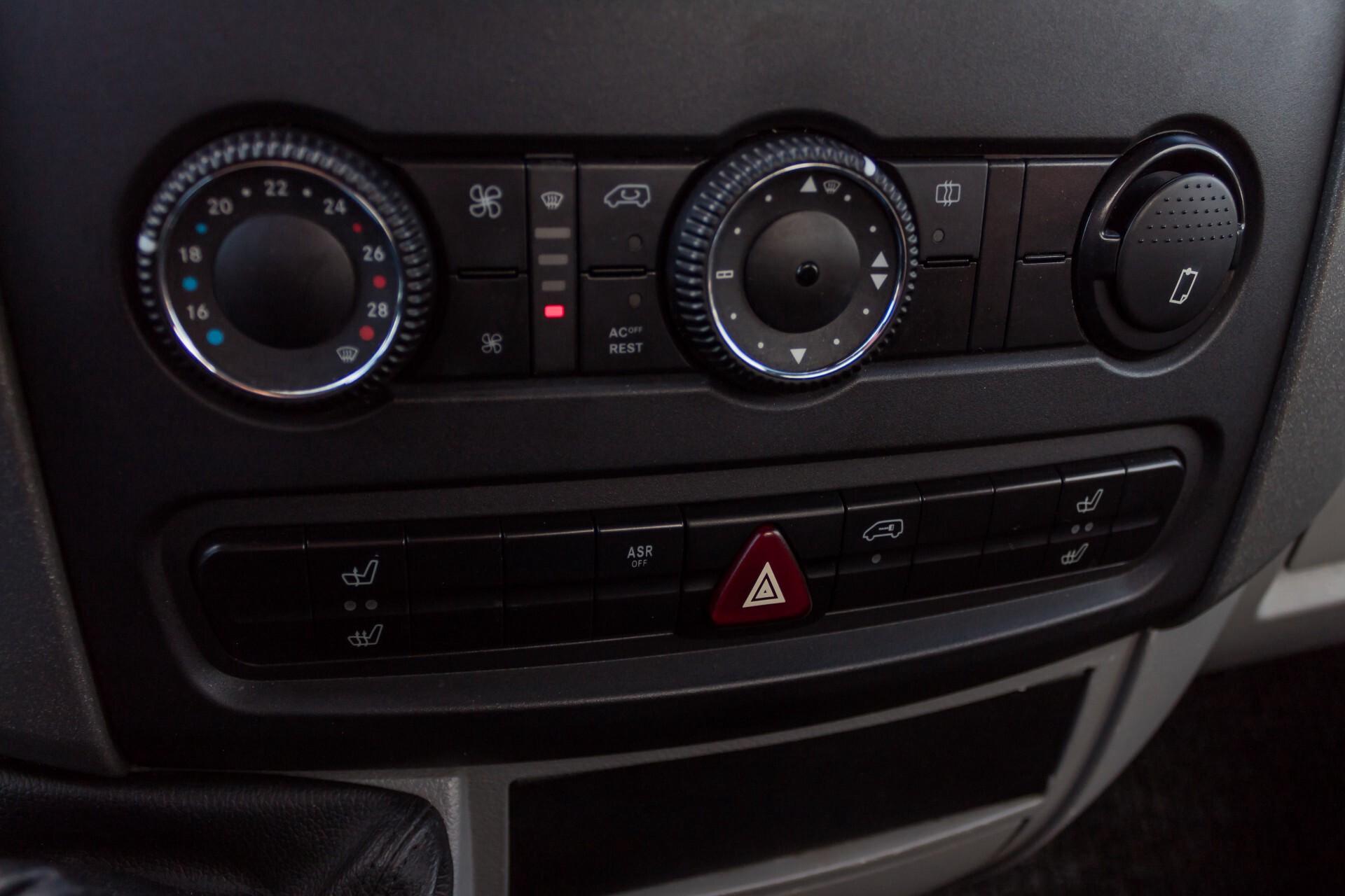 Mercedes-Benz Sprinter 518 3.0 Cdi V6 Oprijwagen / Auto ambulance 7360 kg Foto 19