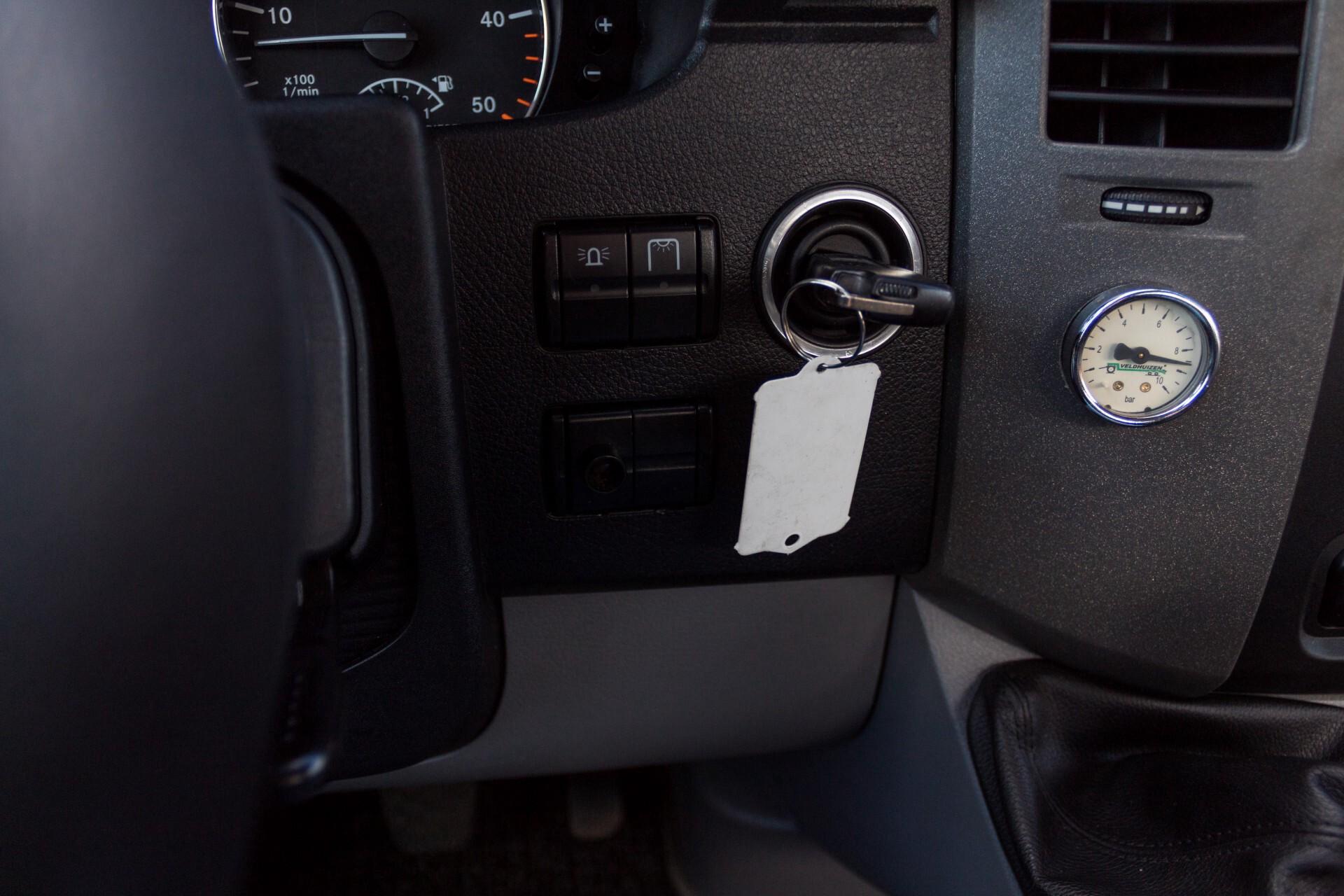 Mercedes-Benz Sprinter 518 3.0 Cdi V6 Oprijwagen / Auto ambulance 7360 kg Foto 23