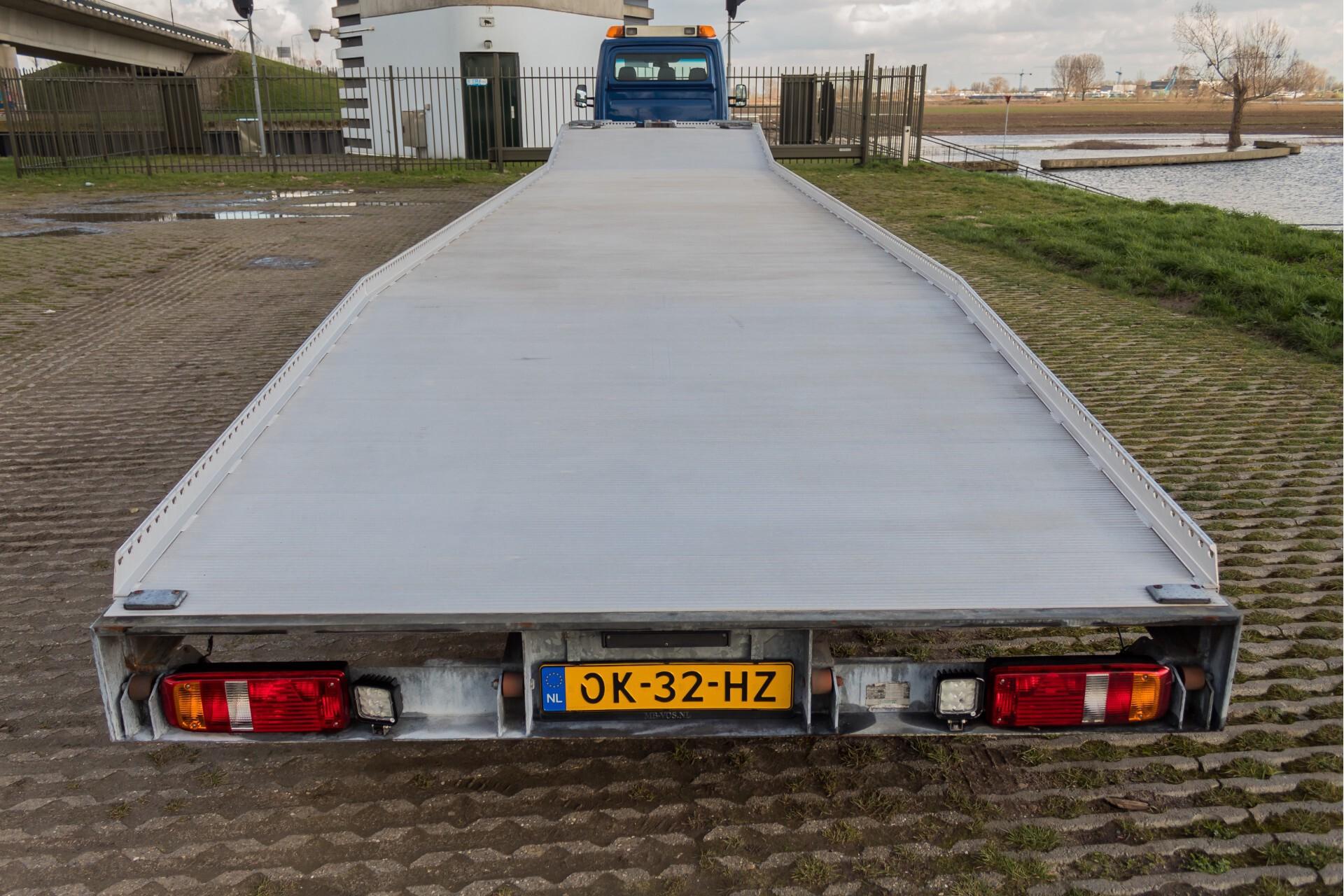Mercedes-Benz Sprinter 518 3.0 Cdi V6 Oprijwagen / Auto ambulance 7360 kg Foto 29