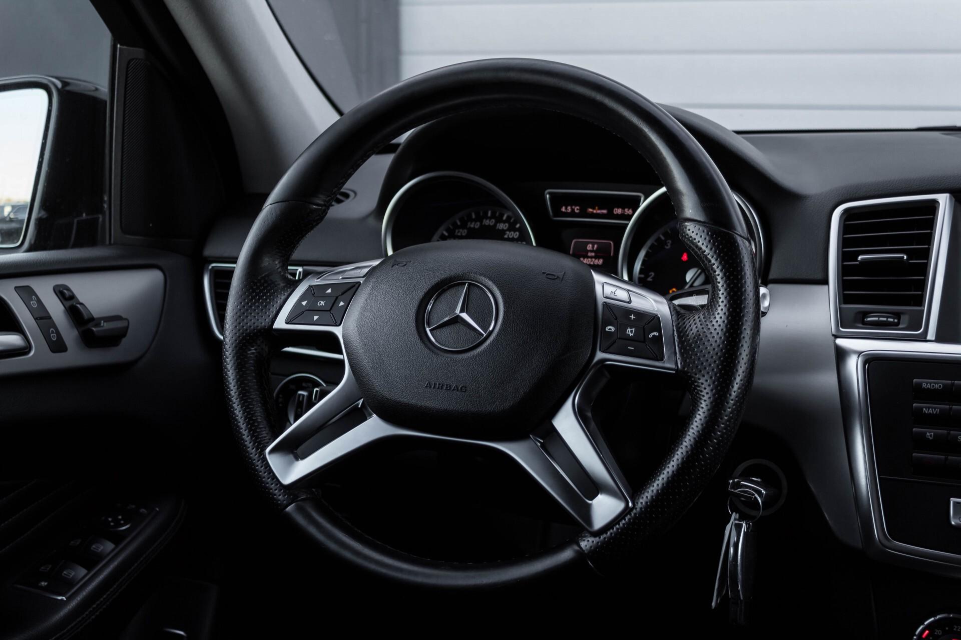 Mercedes-Benz M-Klasse 350 Bluetec 4-M Sport Luchtvering/AMG/Schuifdak/Trekhaak/ILS Aut7 Foto 9
