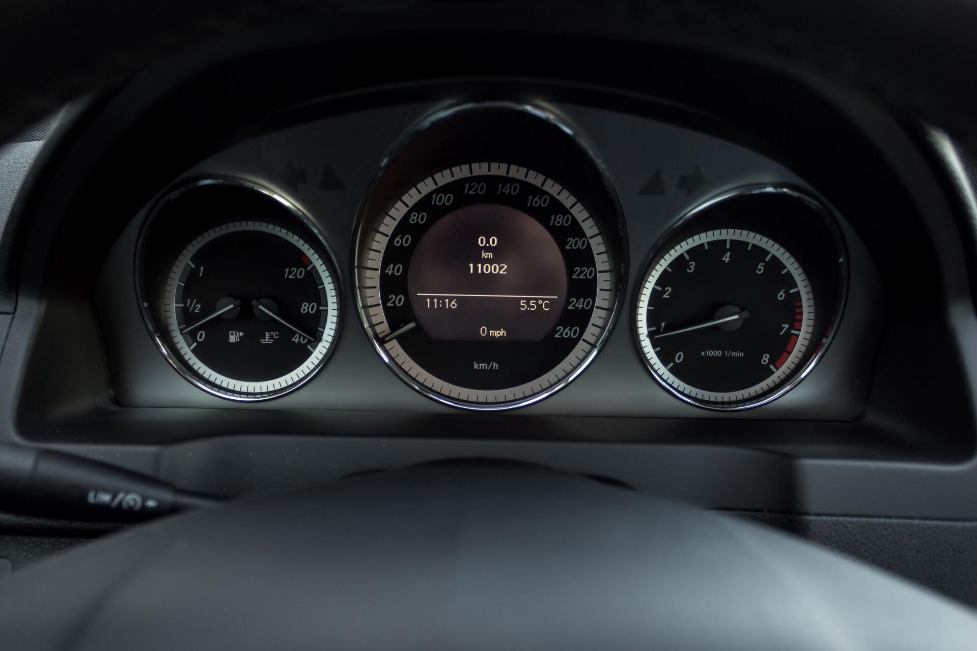 Mercedes-Benz C-Klasse 180 K Avantgarde 1ste eigenaar/NL geleverd/Dealer onderhouden/Volledig gedocumenteerd Foto 10