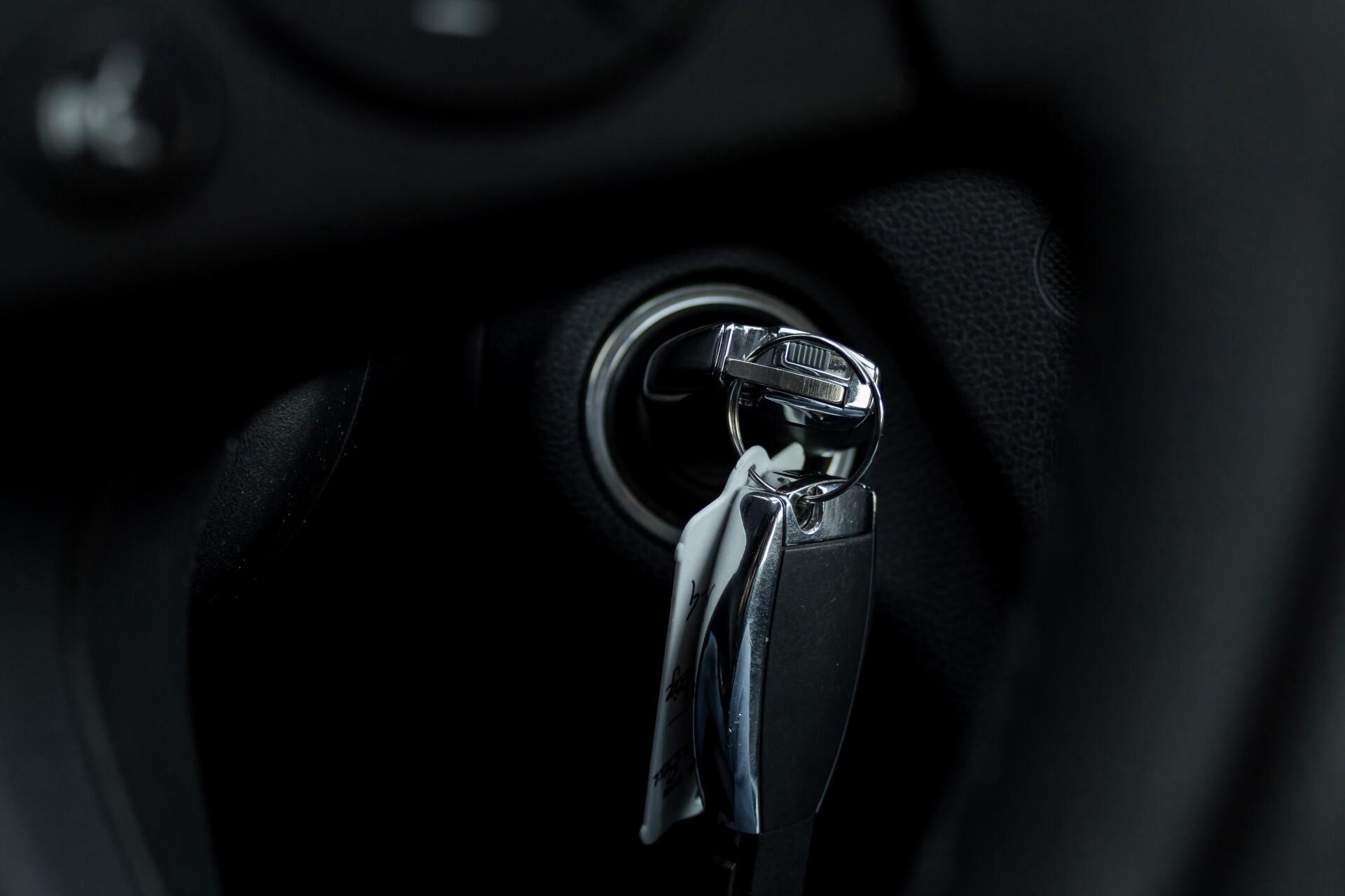 Mercedes-Benz C-Klasse 180 K Avantgarde 1ste eigenaar/NL geleverd/Dealer onderhouden/Volledig gedocumenteerd Foto 12