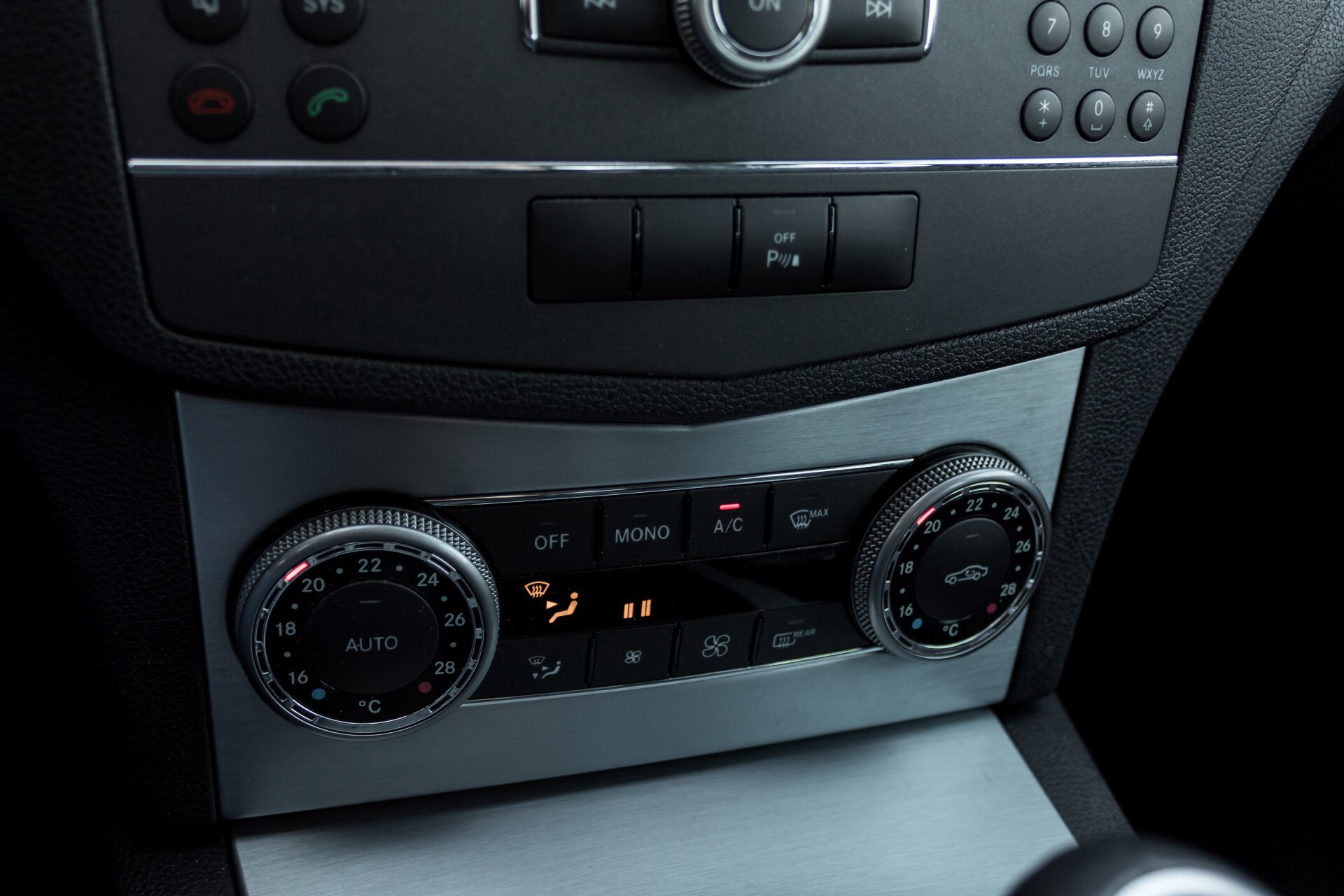 Mercedes-Benz C-Klasse 180 K Avantgarde 1ste eigenaar/NL geleverd/Dealer onderhouden/Volledig gedocumenteerd Foto 15