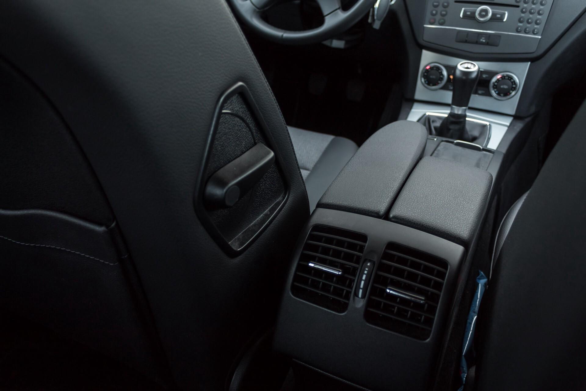 Mercedes-Benz C-Klasse 180 K Avantgarde 1ste eigenaar/NL geleverd/Dealer onderhouden/Volledig gedocumenteerd Foto 28