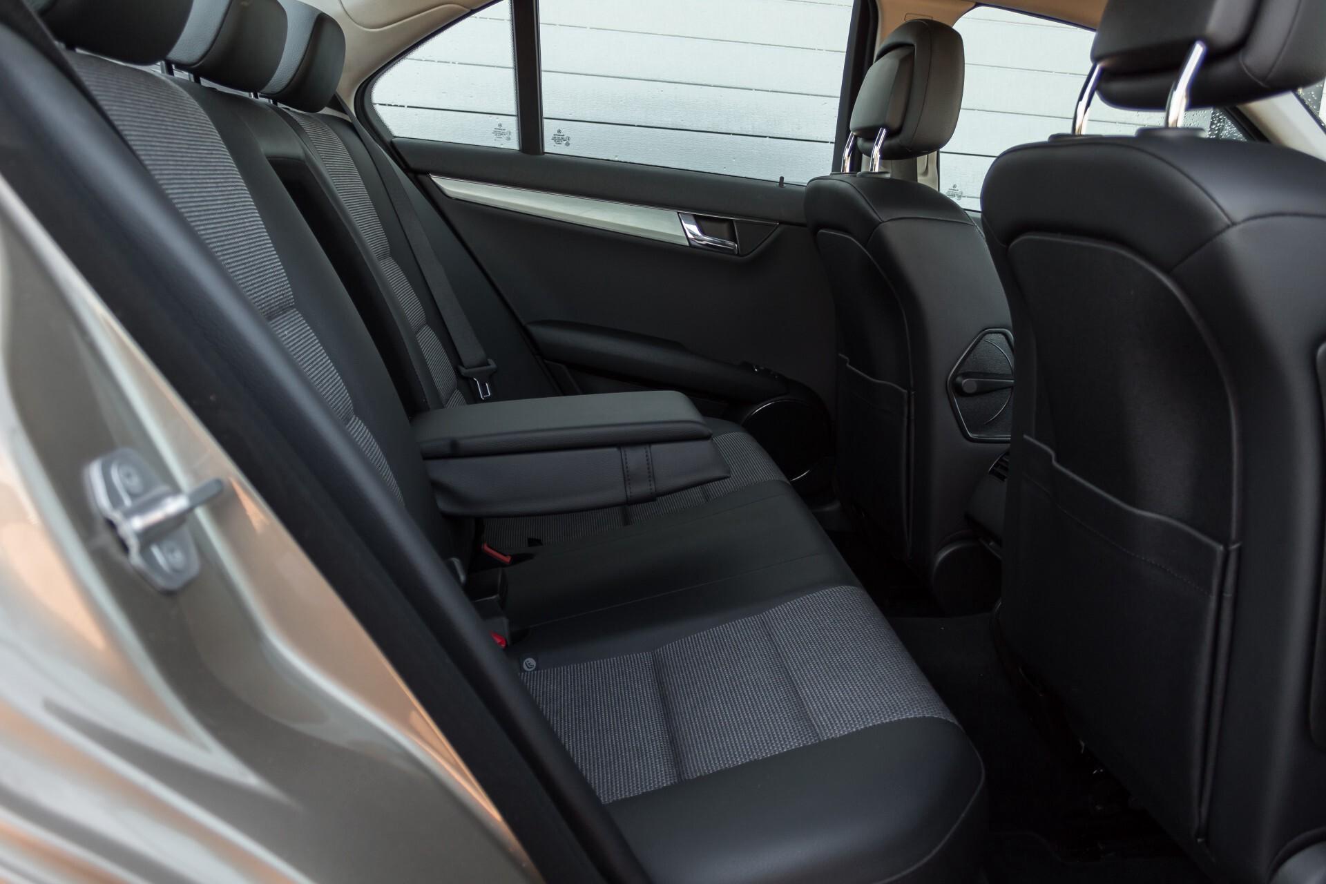 Mercedes-Benz C-Klasse 180 K Avantgarde 1ste eigenaar/NL geleverd/Dealer onderhouden/Volledig gedocumenteerd Foto 5