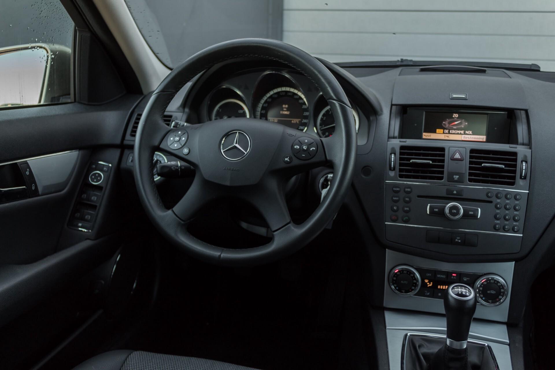 Mercedes-Benz C-Klasse 180 K Avantgarde 1ste eigenaar/NL geleverd/Dealer onderhouden/Volledig gedocumenteerd Foto 6