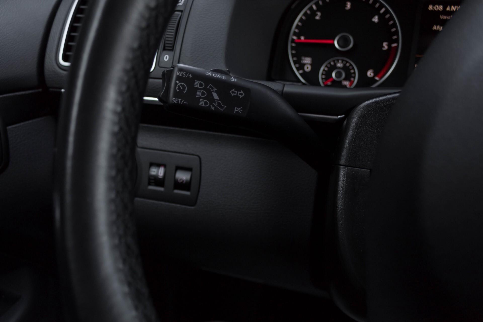 Volkswagen Touran 2.0 TDI Highline 7Persoons 177pk Panorama/Leder/Navi/Camera/Verw-Stln/Trhk/ECC/Xenon Aut Foto 12