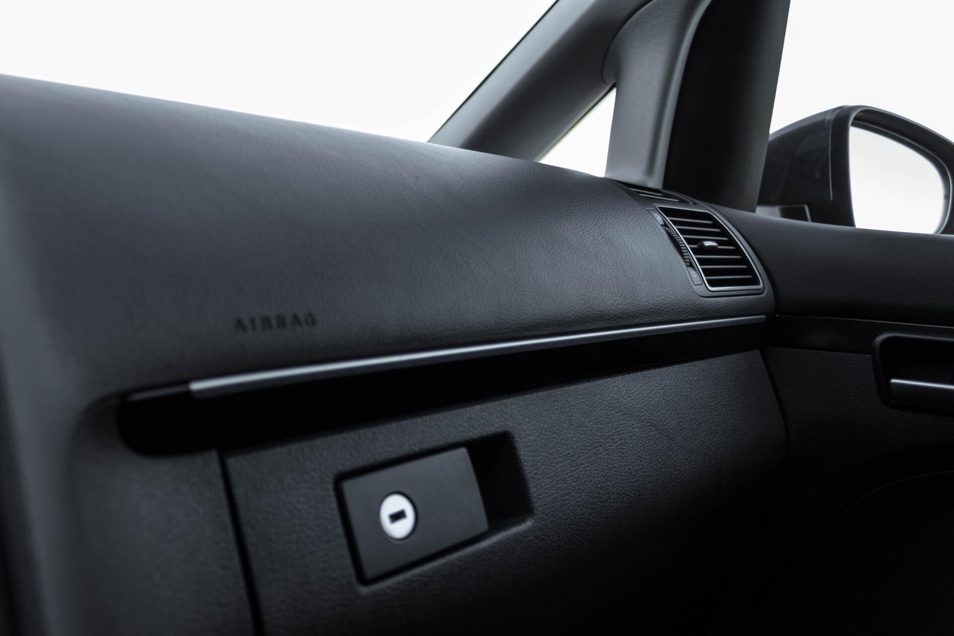 Volkswagen Touran 2.0 TDI Highline 7Persoons 177pk Panorama/Leder/Navi/Camera/Verw-Stln/Trhk/ECC/Xenon Aut Foto 28