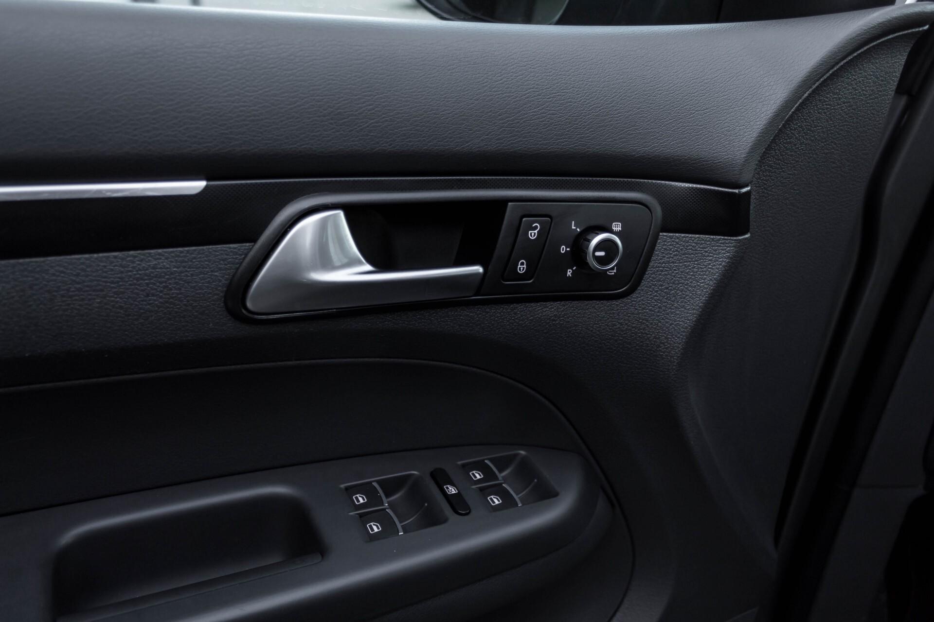 Volkswagen Touran 2.0 TDI Highline 7Persoons 177pk Panorama/Leder/Navi/Camera/Verw-Stln/Trhk/ECC/Xenon Aut Foto 32