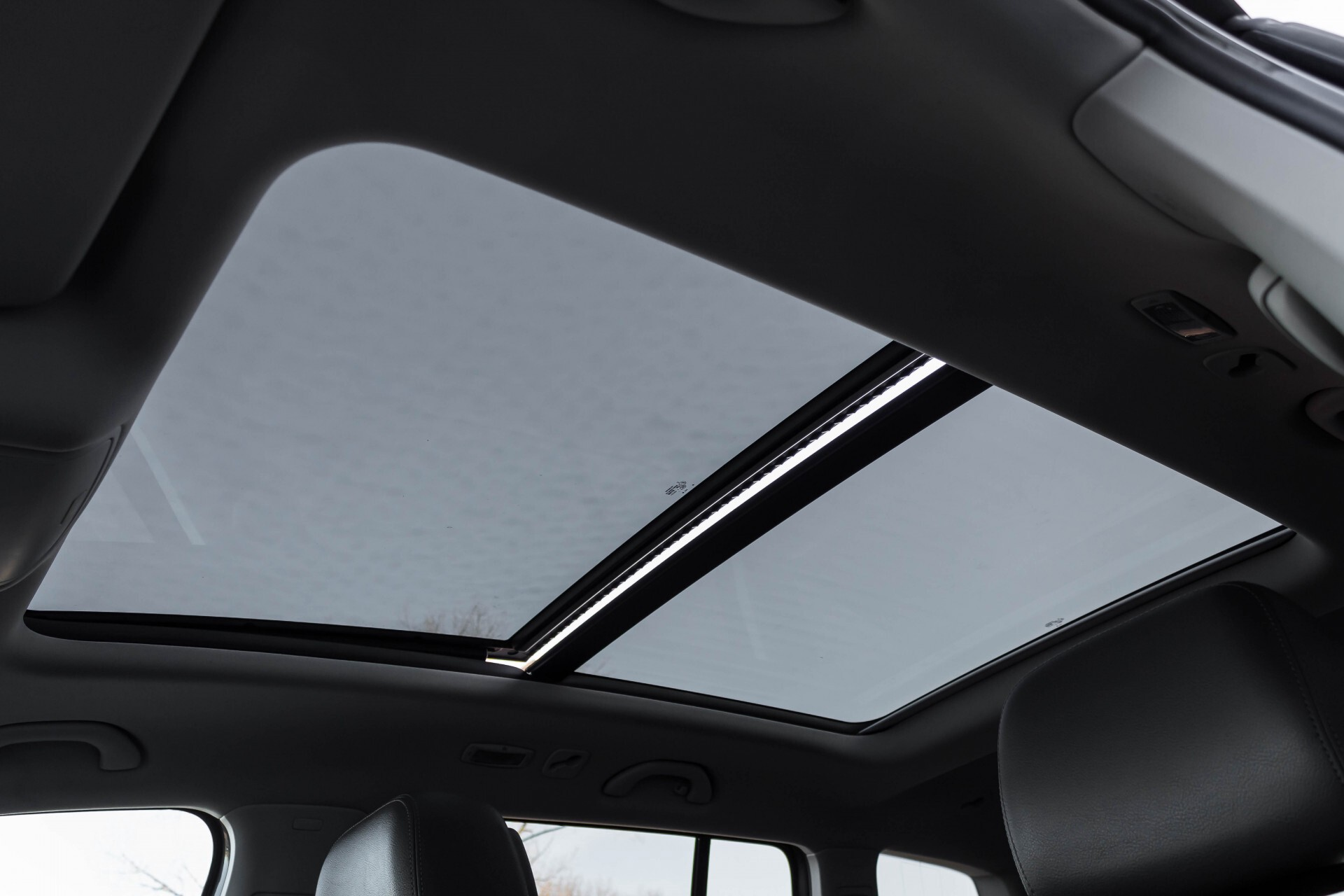 Volkswagen Touran 2.0 TDI Highline 7Persoons 177pk Panorama/Leder/Navi/Camera/Verw-Stln/Trhk/ECC/Xenon Aut Foto 39