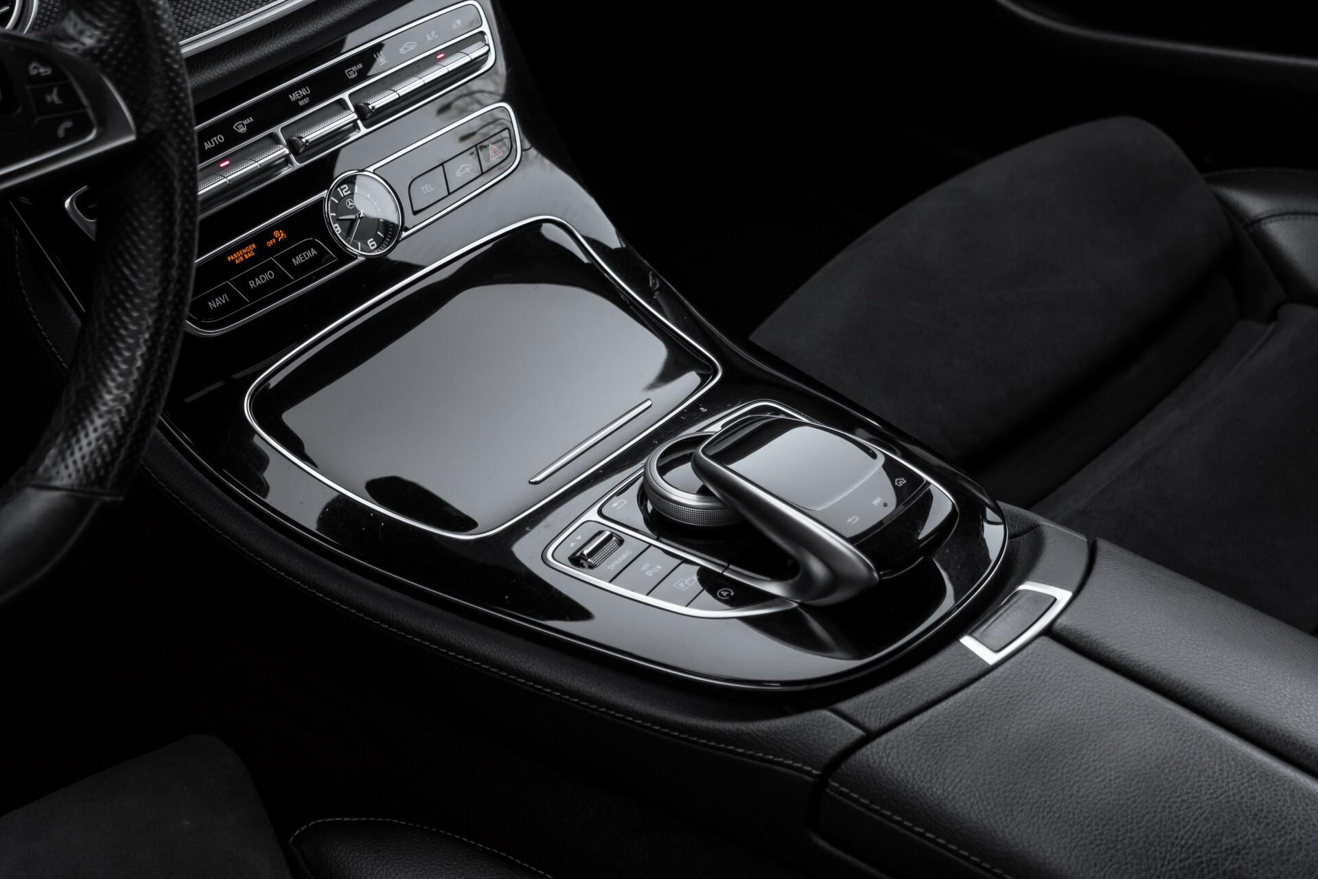 Mercedes-Benz E-Klasse 220 d AMG Night Distronic/Widescreen/Burmester/Schuifdak/Standkachel Aut9 Foto 22