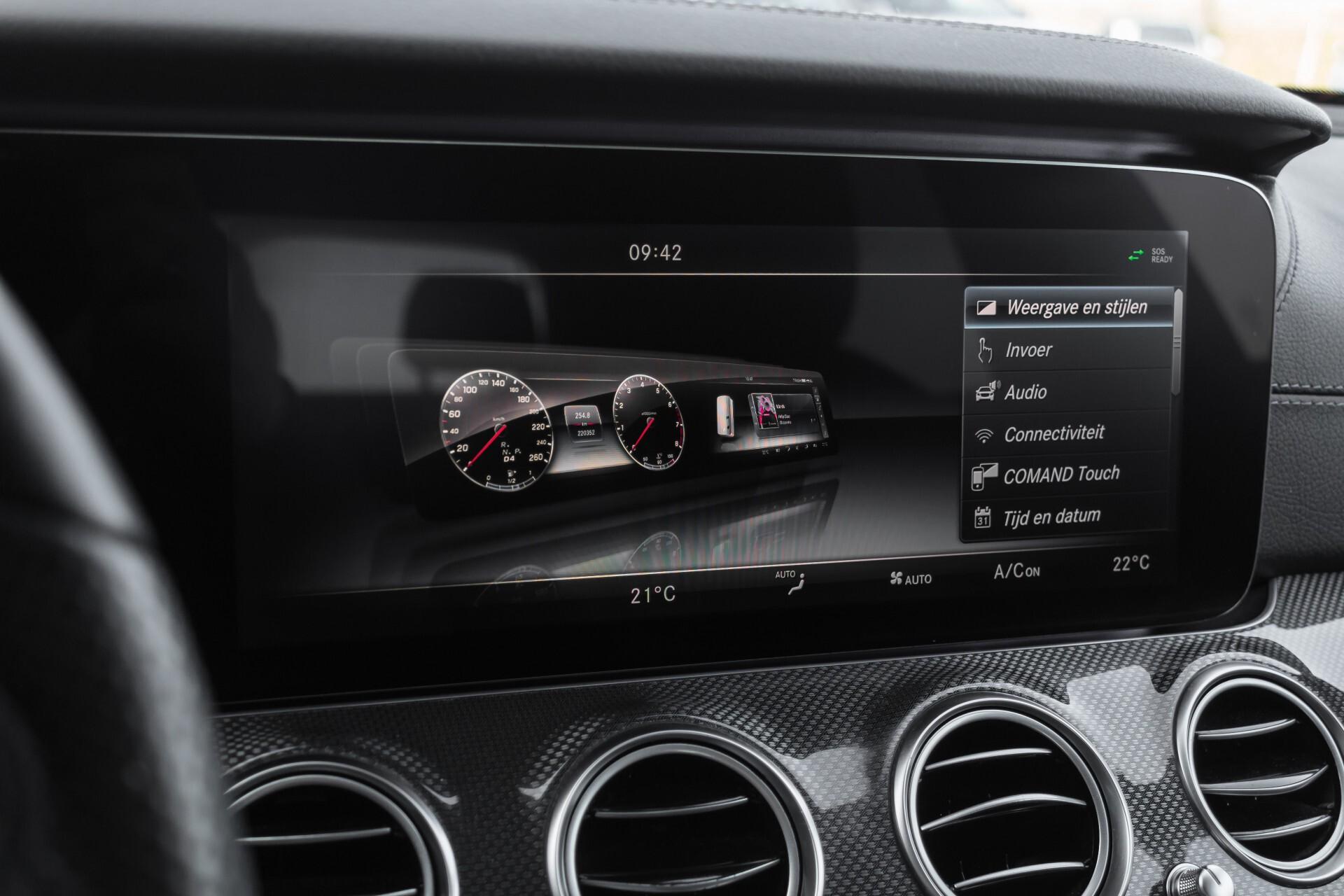 Mercedes-Benz E-Klasse 220 d AMG Night Distronic/Widescreen/Burmester/Schuifdak/Standkachel Aut9 Foto 36