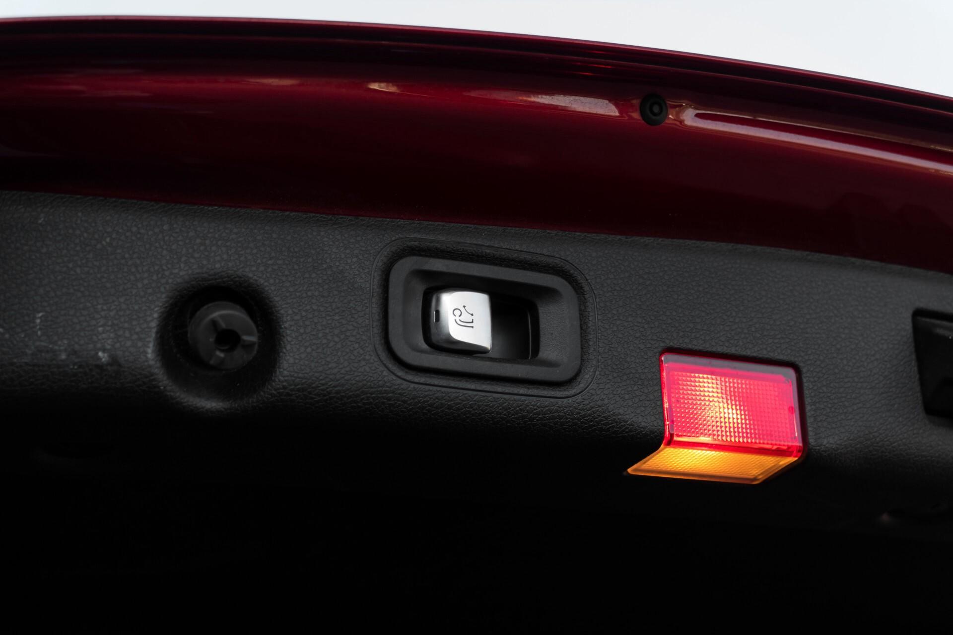Mercedes-Benz E-Klasse 220 d AMG Night Distronic/Widescreen/Burmester/Schuifdak/Standkachel Aut9 Foto 49