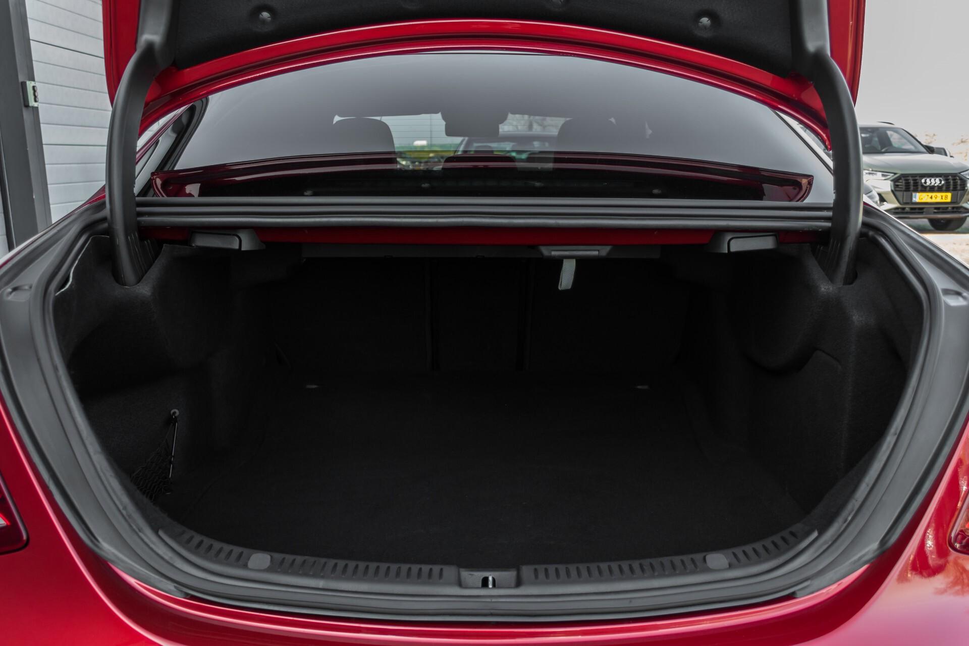Mercedes-Benz E-Klasse 220 d AMG Night Distronic/Widescreen/Burmester/Schuifdak/Standkachel Aut9 Foto 51