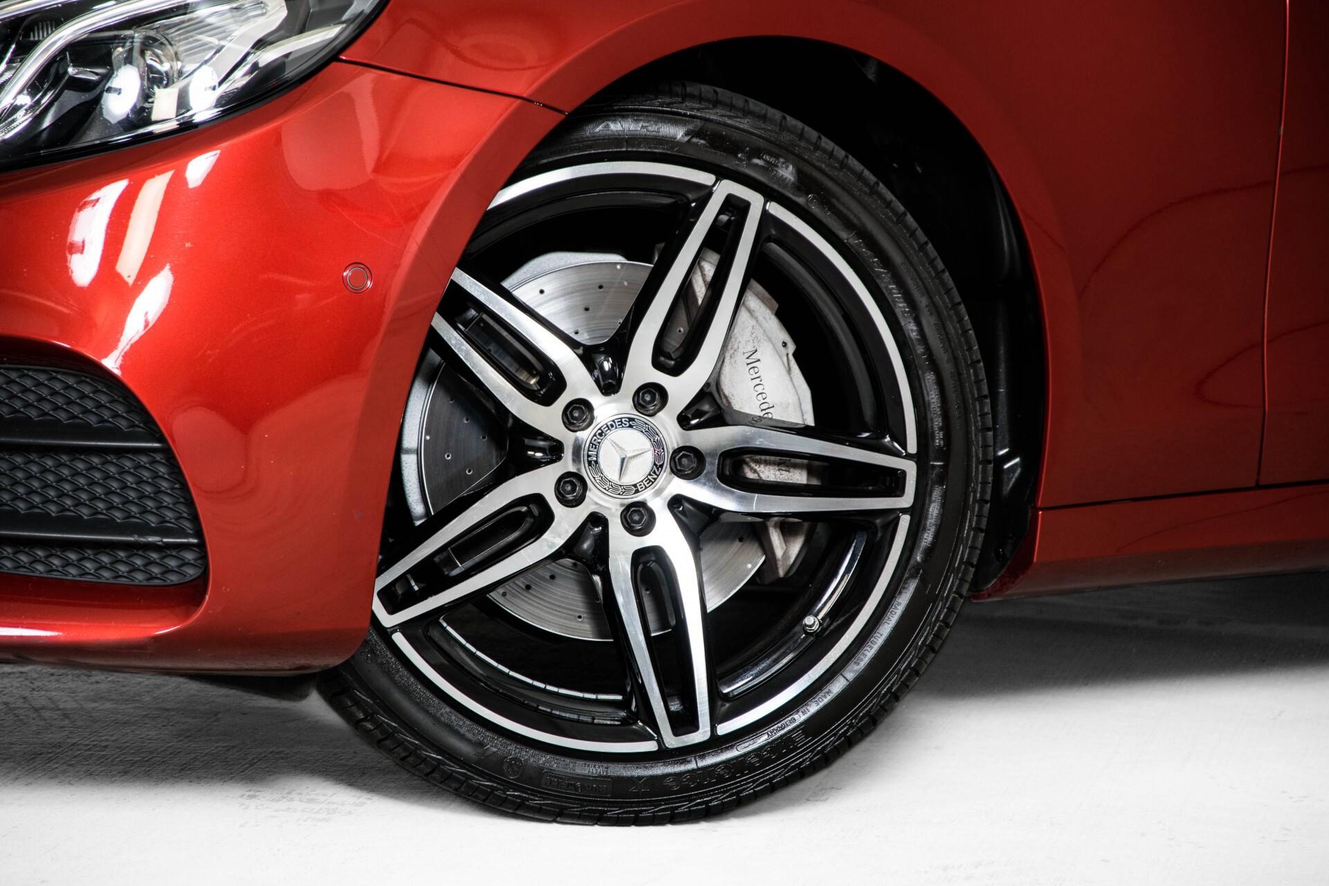 Mercedes-Benz E-Klasse 220 d AMG Night Distronic/Widescreen/Burmester/Schuifdak/Standkachel Aut9 Foto 54