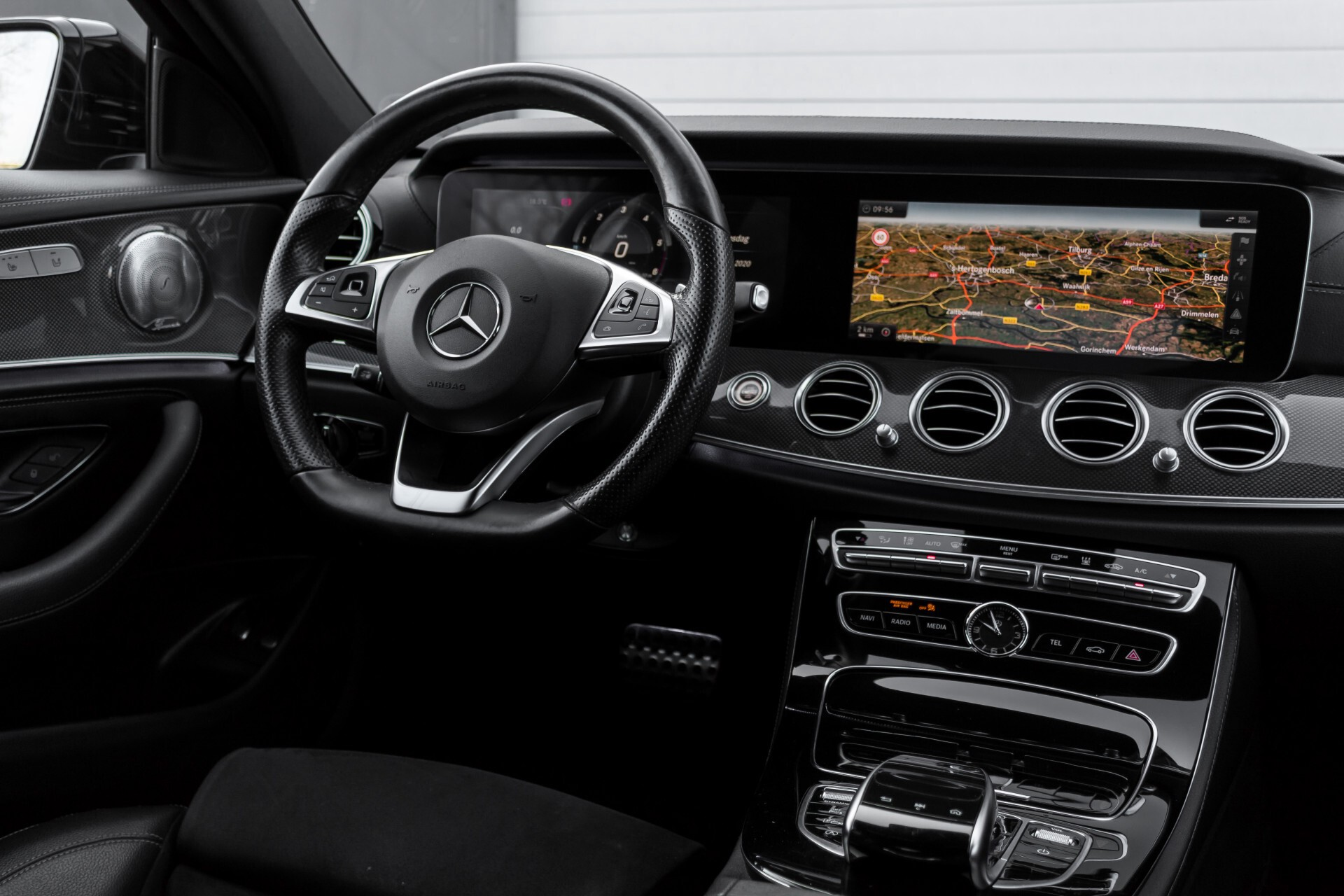 Mercedes-Benz E-Klasse 220 d AMG Night Distronic/Widescreen/Burmester/Schuifdak/Standkachel Aut9 Foto 6