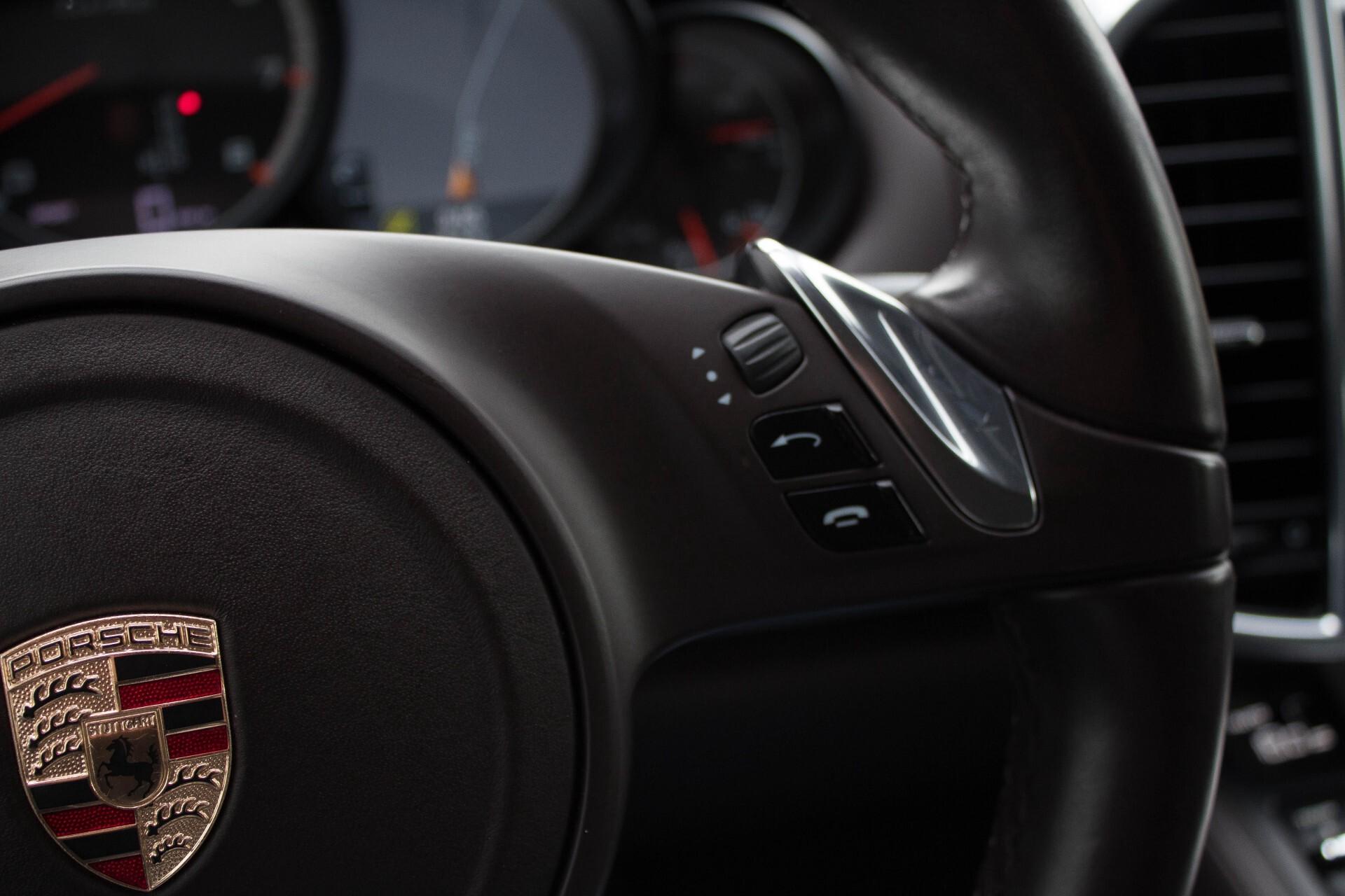 Porsche Cayenne 4.8 Turbo Exclusive/Panorama/Bose/21''/Sportstoelen Aut8 Foto 10
