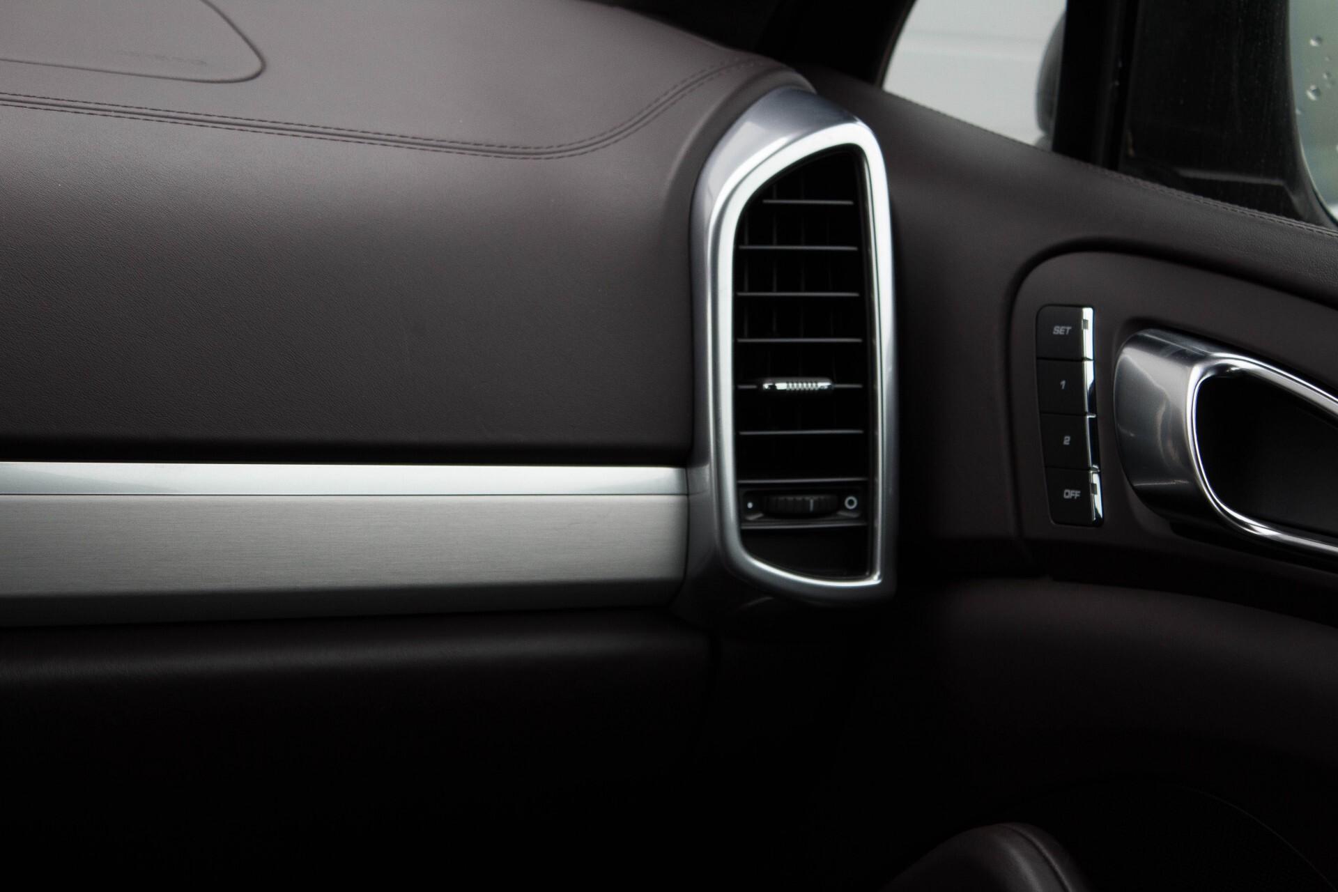 Porsche Cayenne 4.8 Turbo Exclusive/Panorama/Bose/21''/Sportstoelen Aut8 Foto 14
