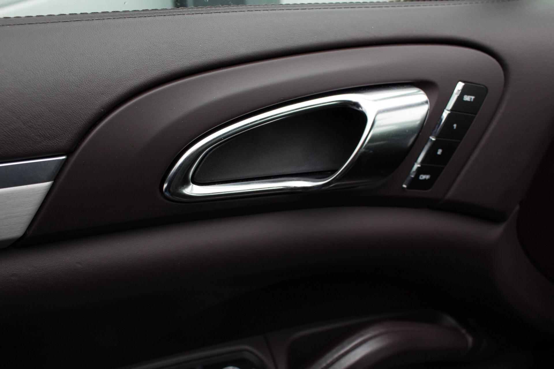 Porsche Cayenne 4.8 Turbo Exclusive/Panorama/Bose/21''/Sportstoelen Aut8 Foto 15