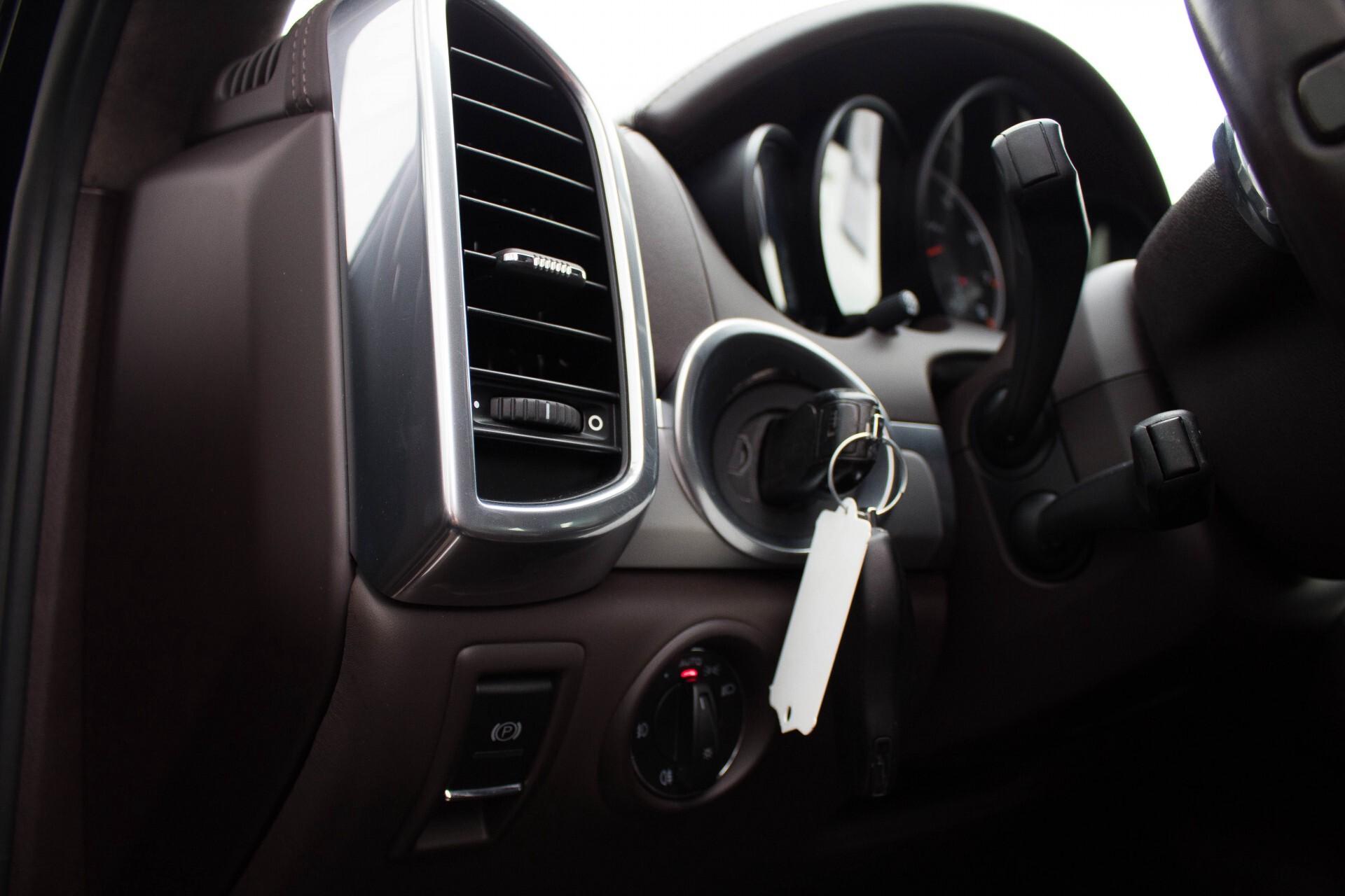 Porsche Cayenne 4.8 Turbo Exclusive/Panorama/Bose/21''/Sportstoelen Aut8 Foto 19