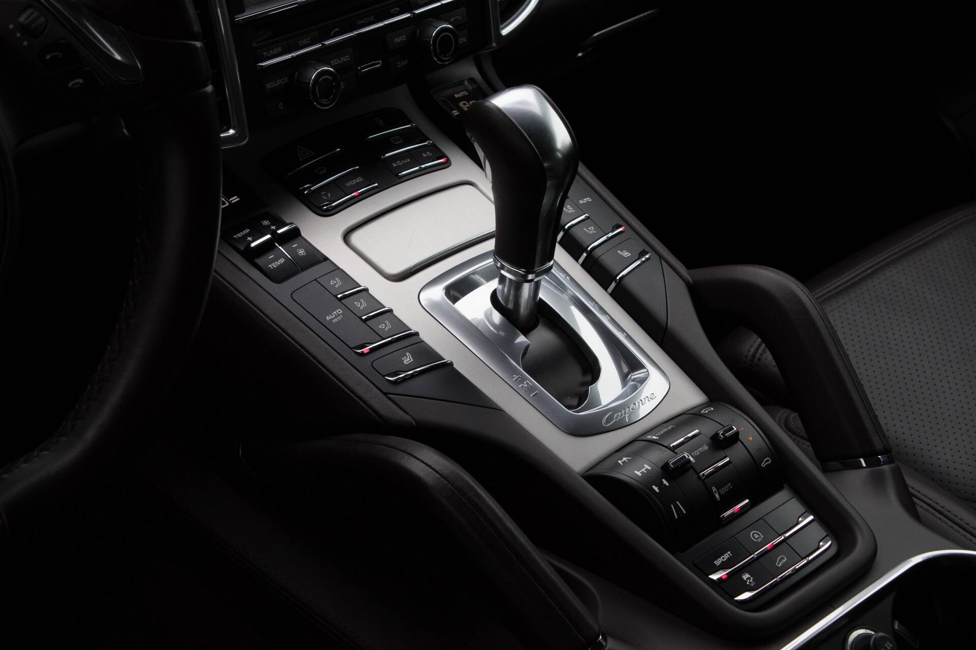 Porsche Cayenne 4.8 Turbo Exclusive/Panorama/Bose/21''/Sportstoelen Aut8 Foto 22