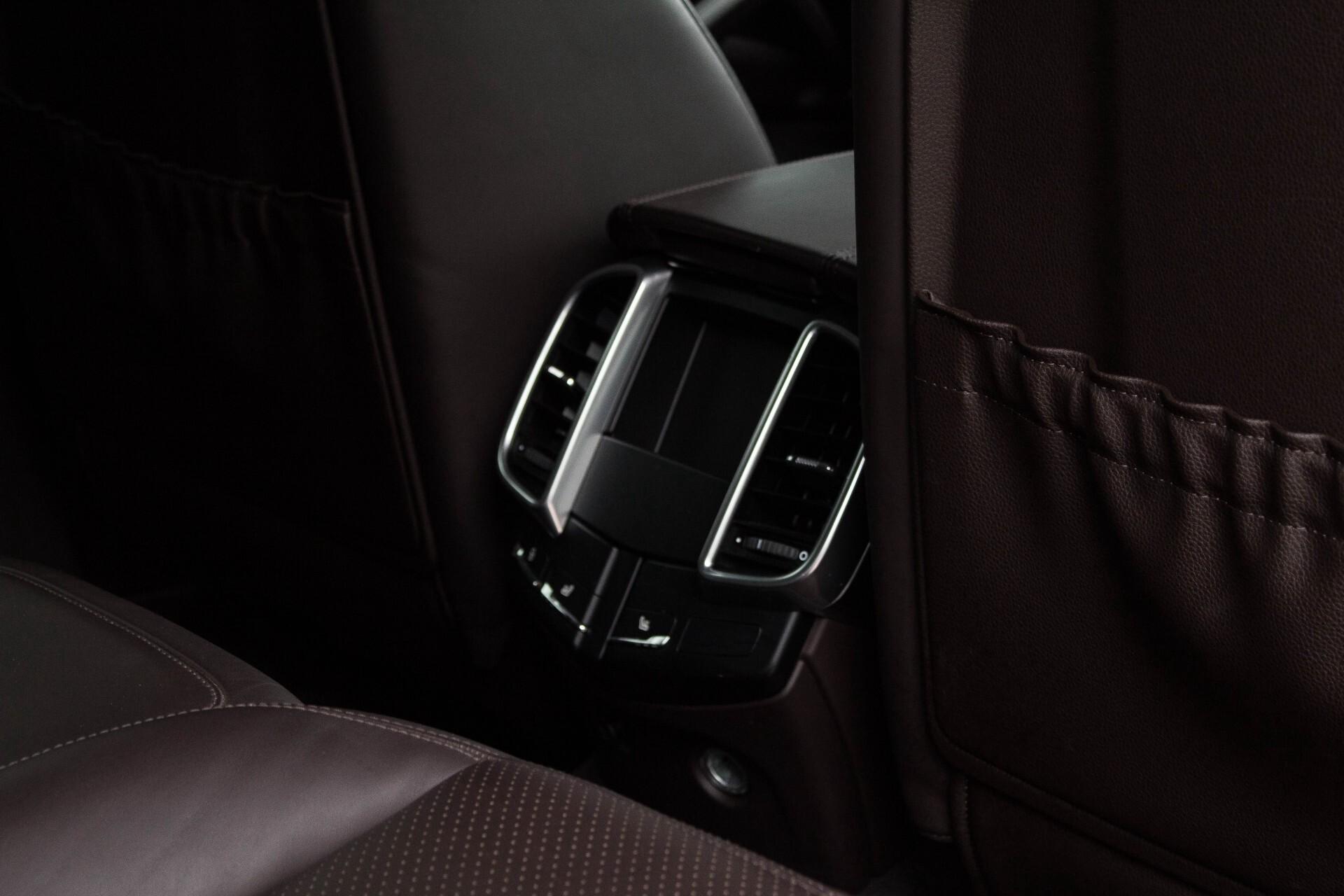 Porsche Cayenne 4.8 Turbo Exclusive/Panorama/Bose/21''/Sportstoelen Aut8 Foto 28