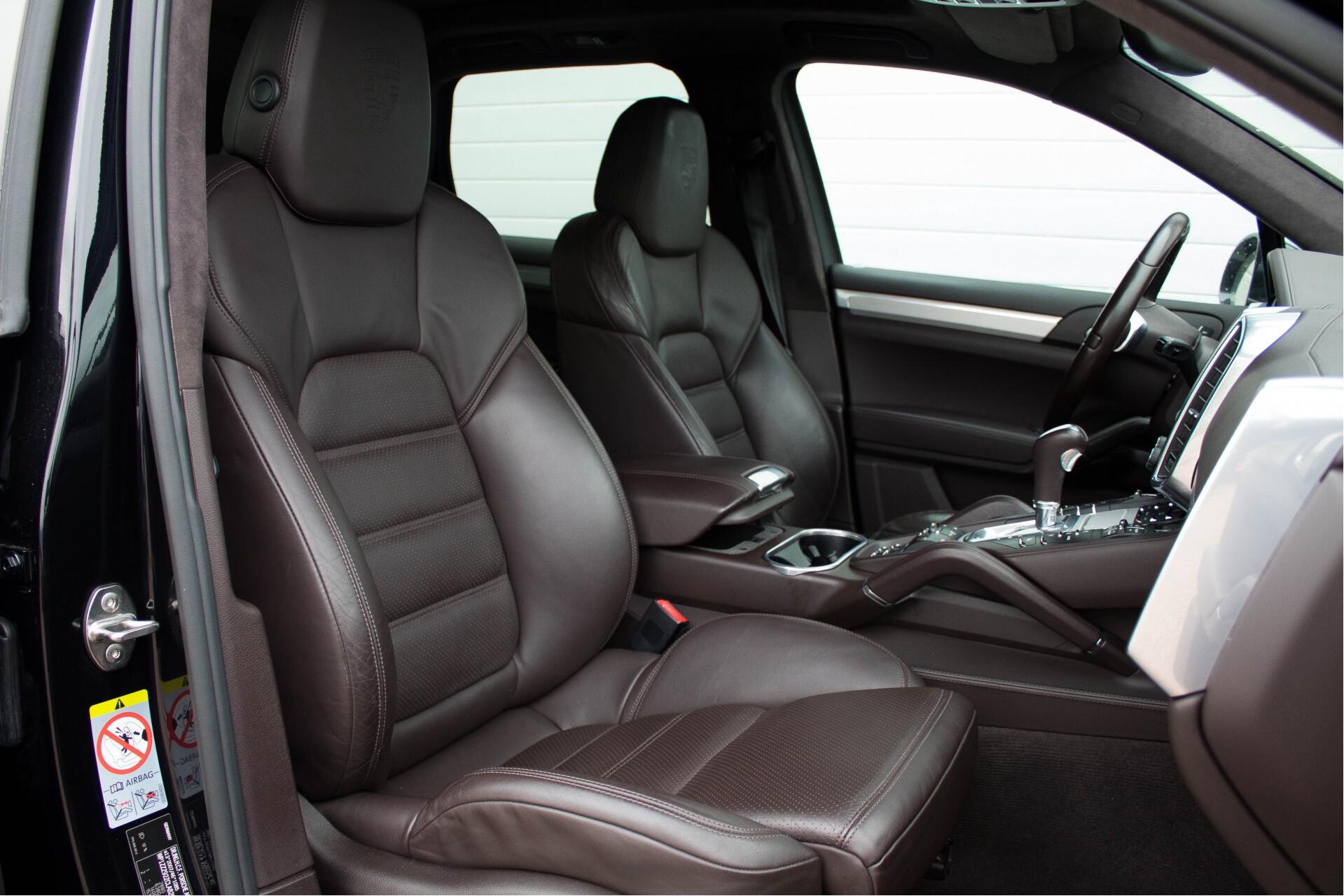 Porsche Cayenne 4.8 Turbo Exclusive/Panorama/Bose/21''/Sportstoelen Aut8 Foto 3